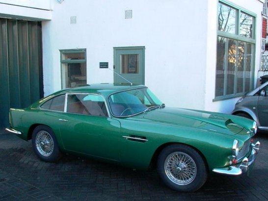 Test drive - The Aston Martin DB4 by Beacham