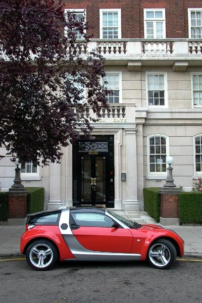 Clever around town? The SMART Roadster in London