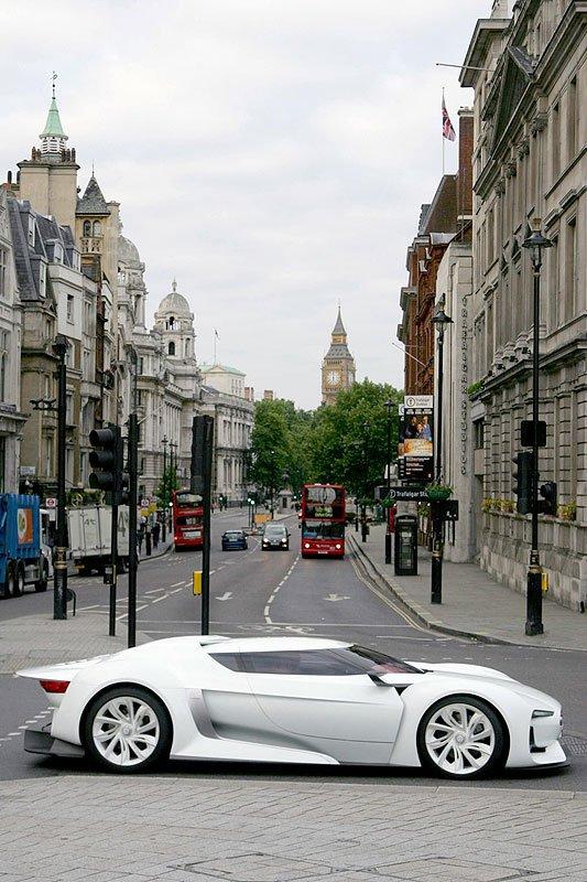 GTbyCITROËN in London unterwegs