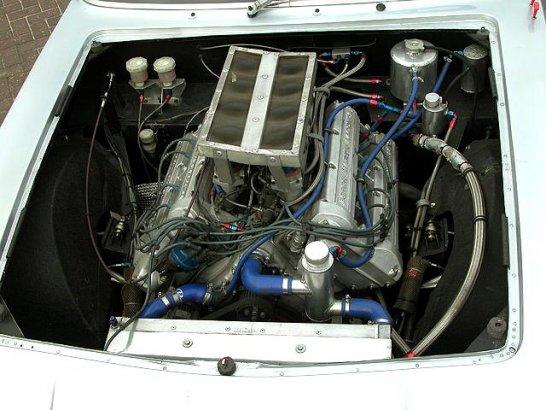 Ready to Race in 2010: Aston Martin V8