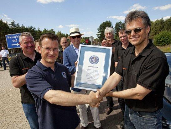Bugatti Veyron Takes Landspeed Record
