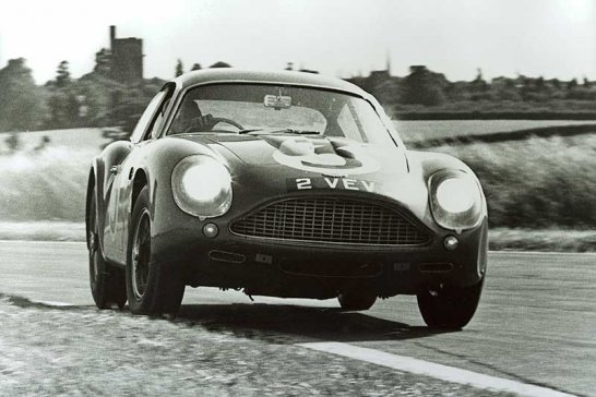Six Appeal – The Newport Pagnell Aston Martins of the 1960s