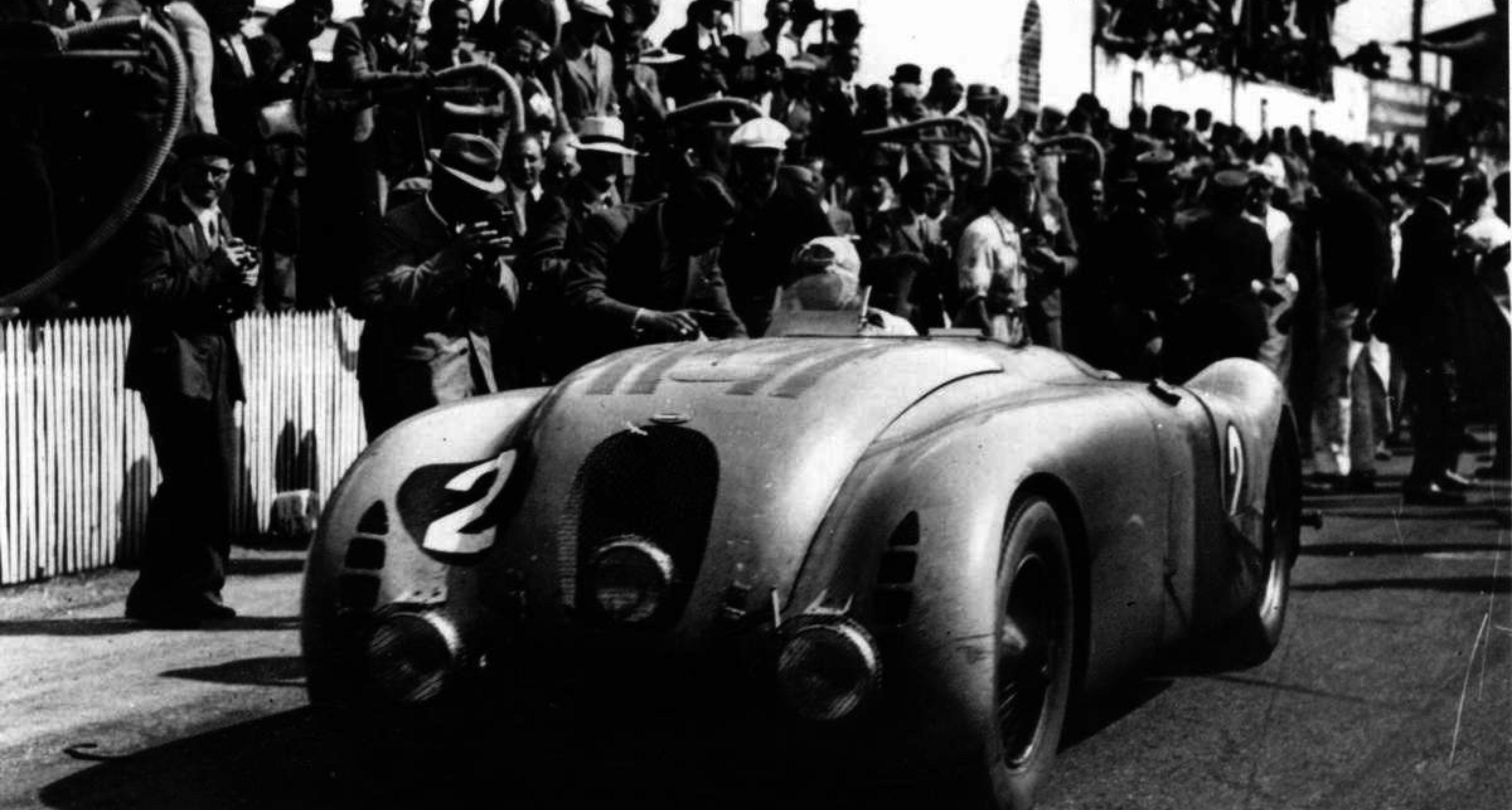 The winner of Le Mans 1937: Jean-Pierre Wimille in the Typ 57G Tank.