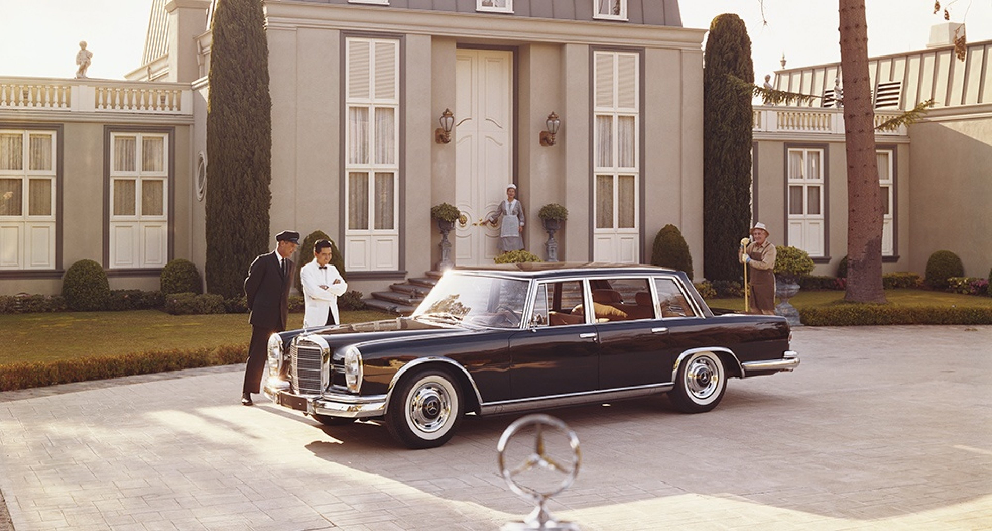 Snapshot 1960s The Mercedes Benz 600 Draws A Crowd Wherever It Goes