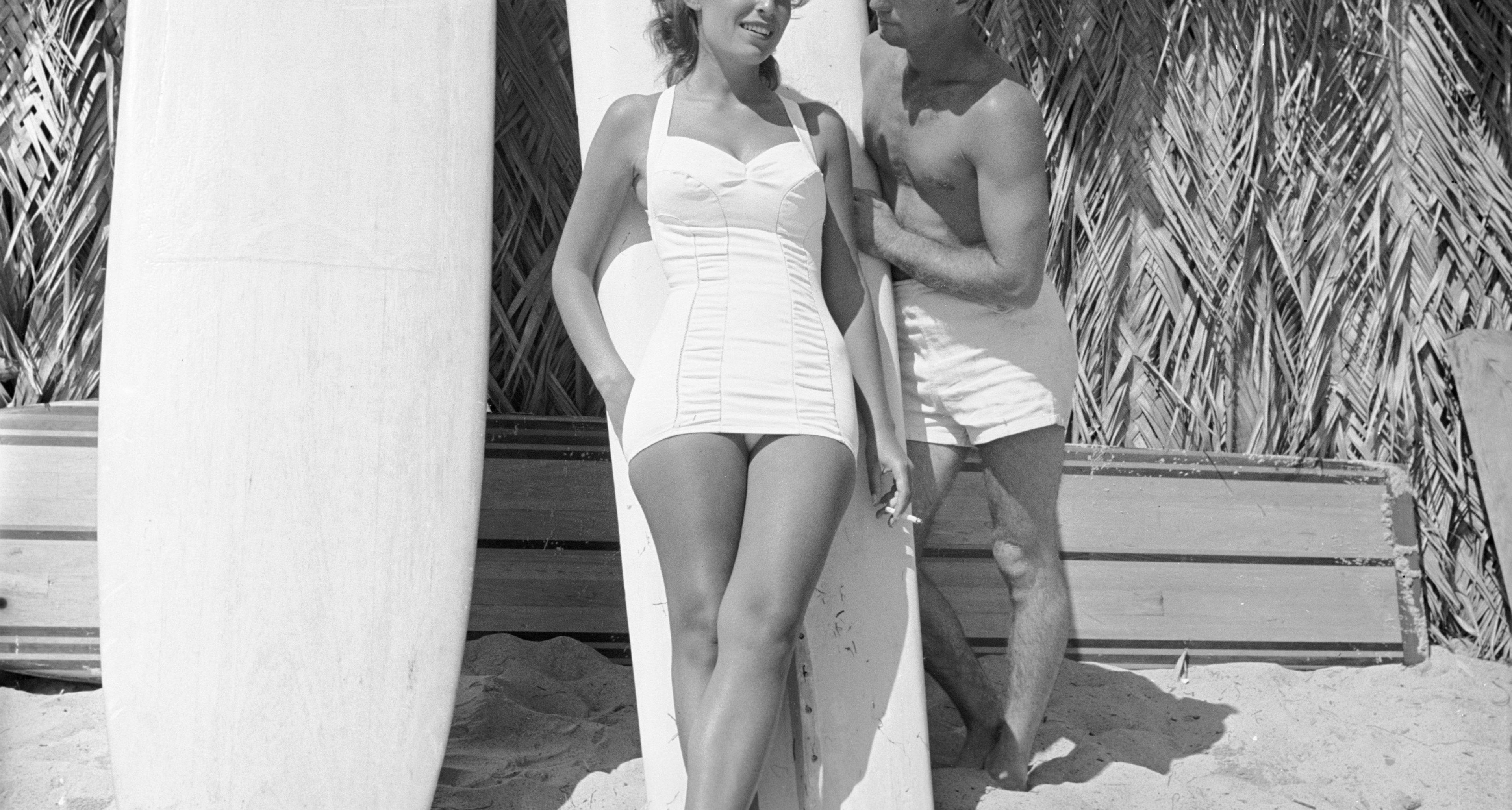Beach bum Obert Rod and his girlfriend at the beach, San Onofre, California, July 1950.