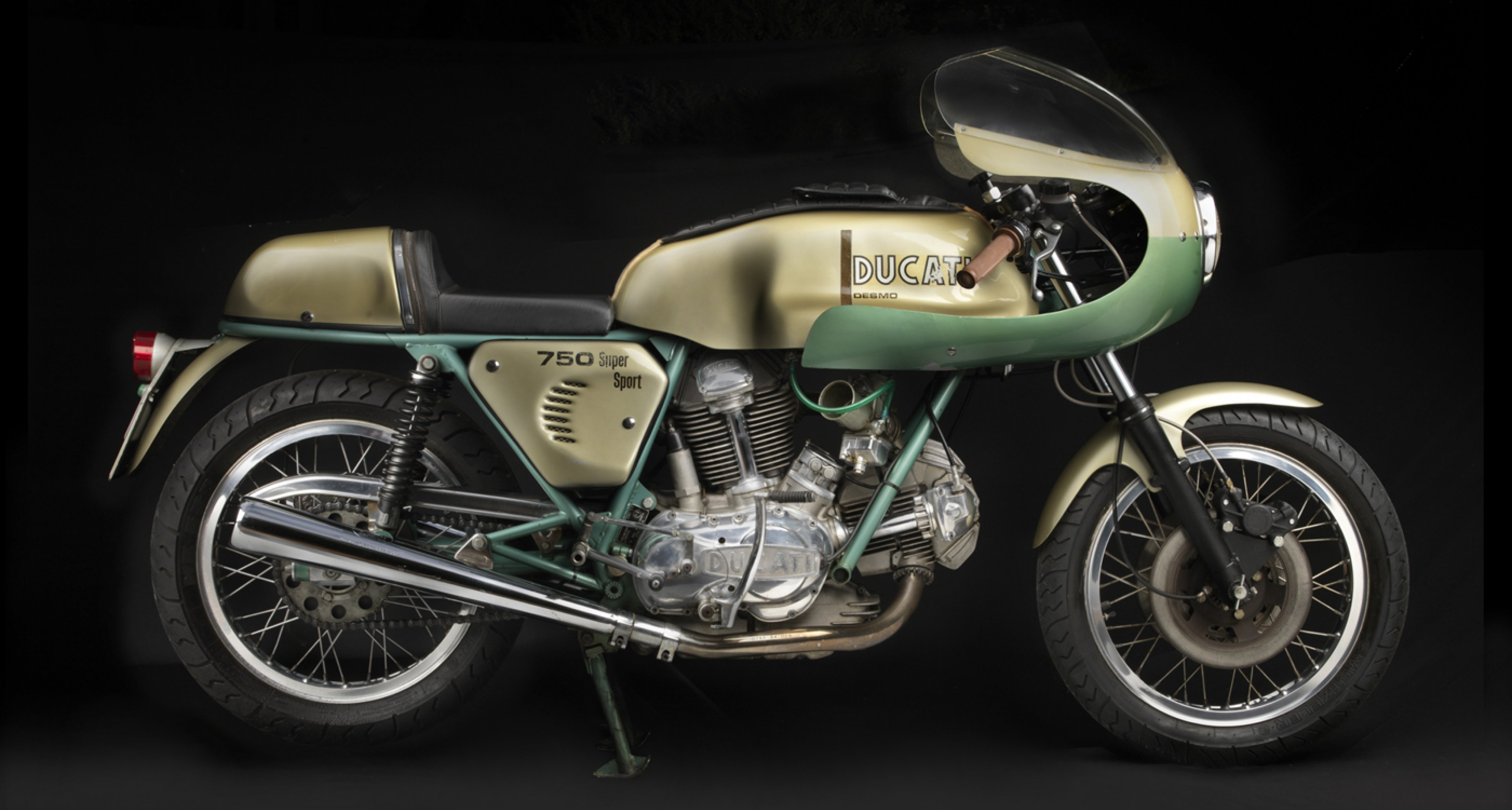 1974 Ducati 750 Super Sport. Collection of Somer and Loyce Hooker. Image © 2015 Peter Harholdt