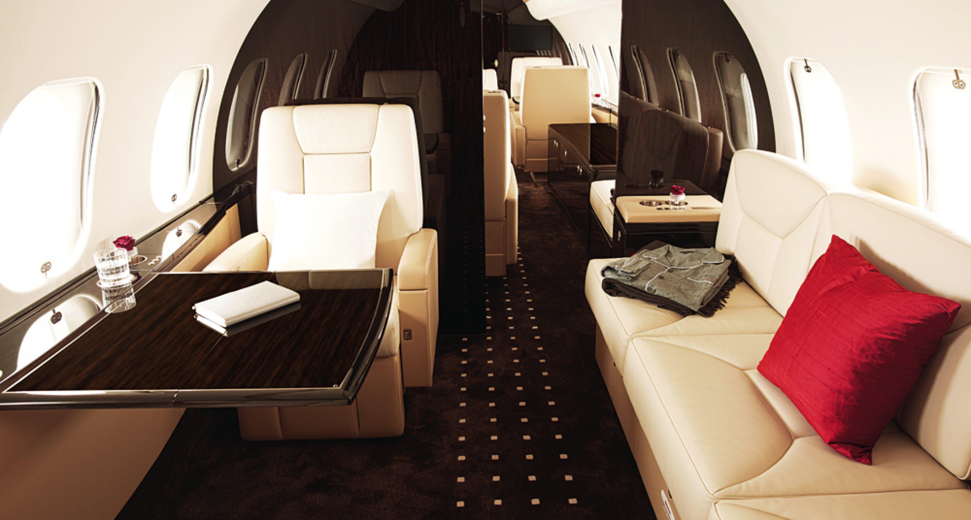 Bombardier Global 5000 jet with VistaJet interior,  Alain Girard/Blue Storm Média © VistaJet