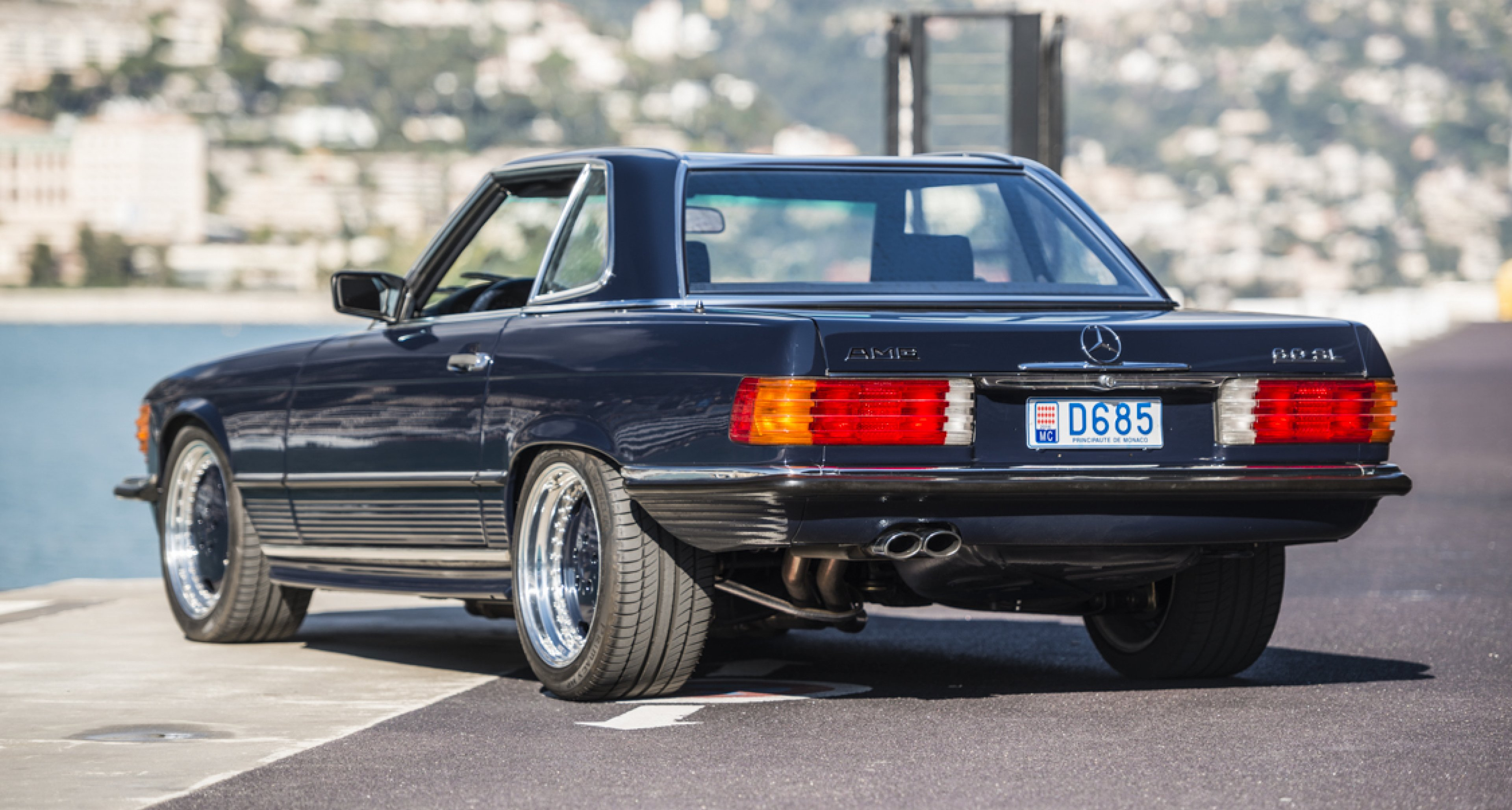 This Mercedes 560 Sl 6 0 Amg Hammered Away The Businessman