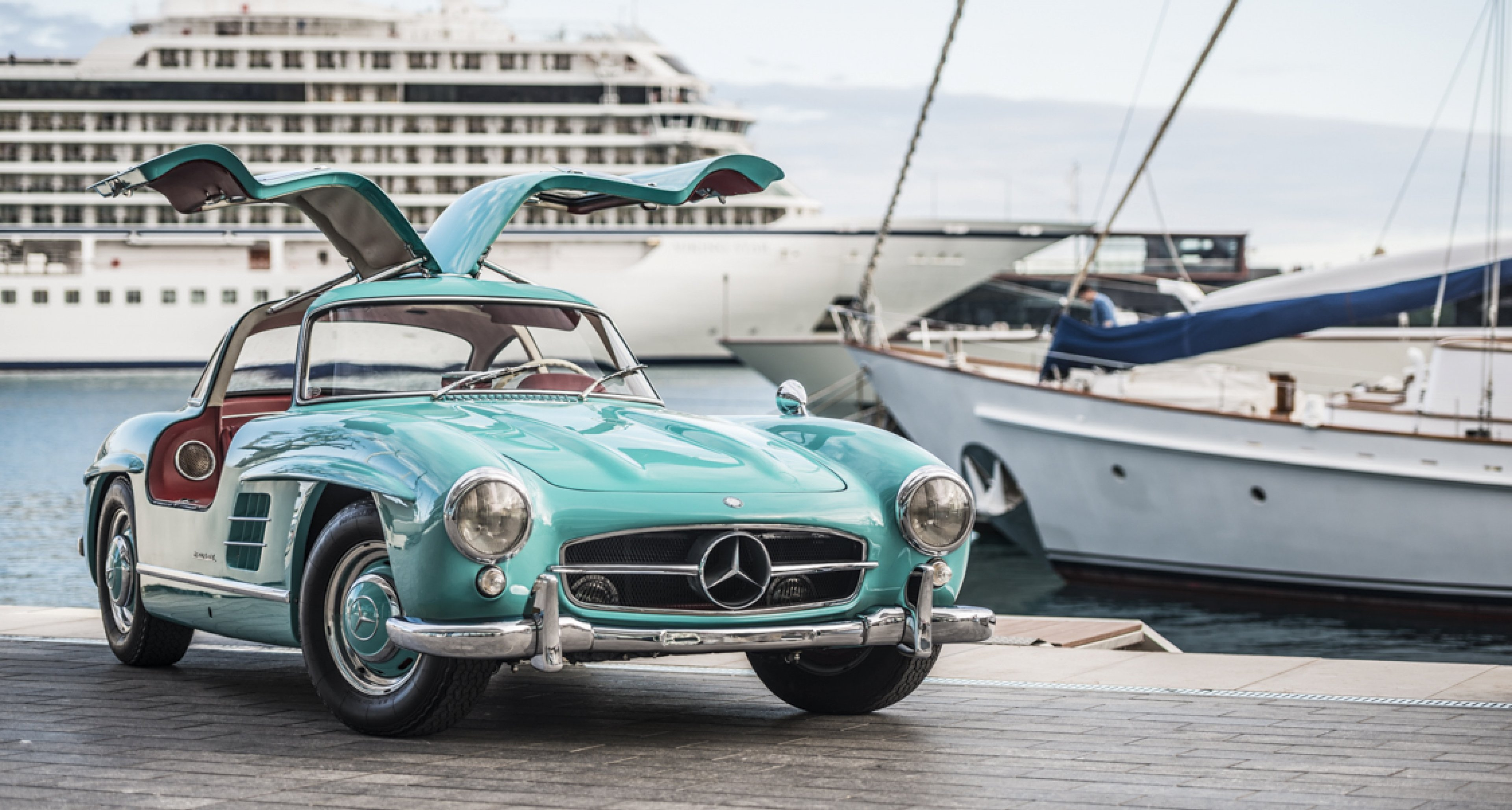 This Mercedes 300sl Gullwing Is A Cyan Coloured Bird Of