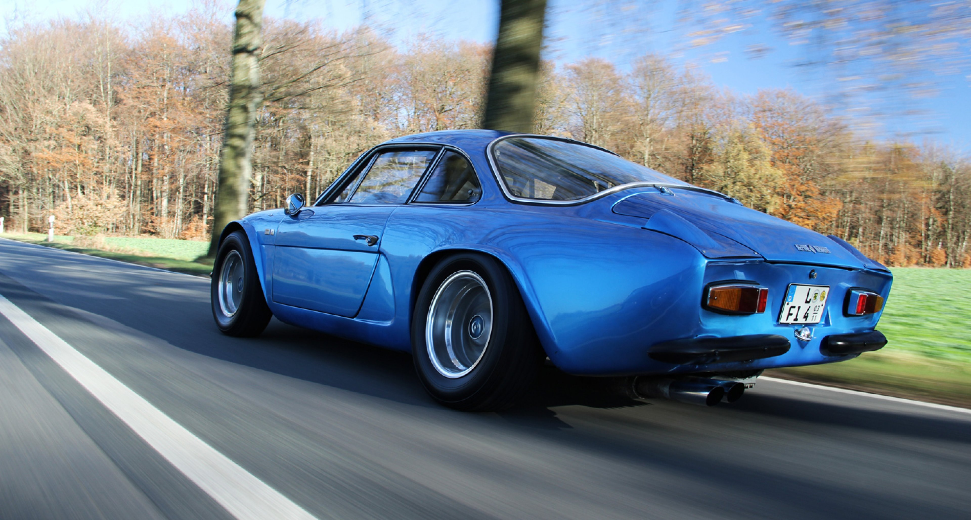 caf racer 76 alpine a110 close to the road yet near heaven. Black Bedroom Furniture Sets. Home Design Ideas