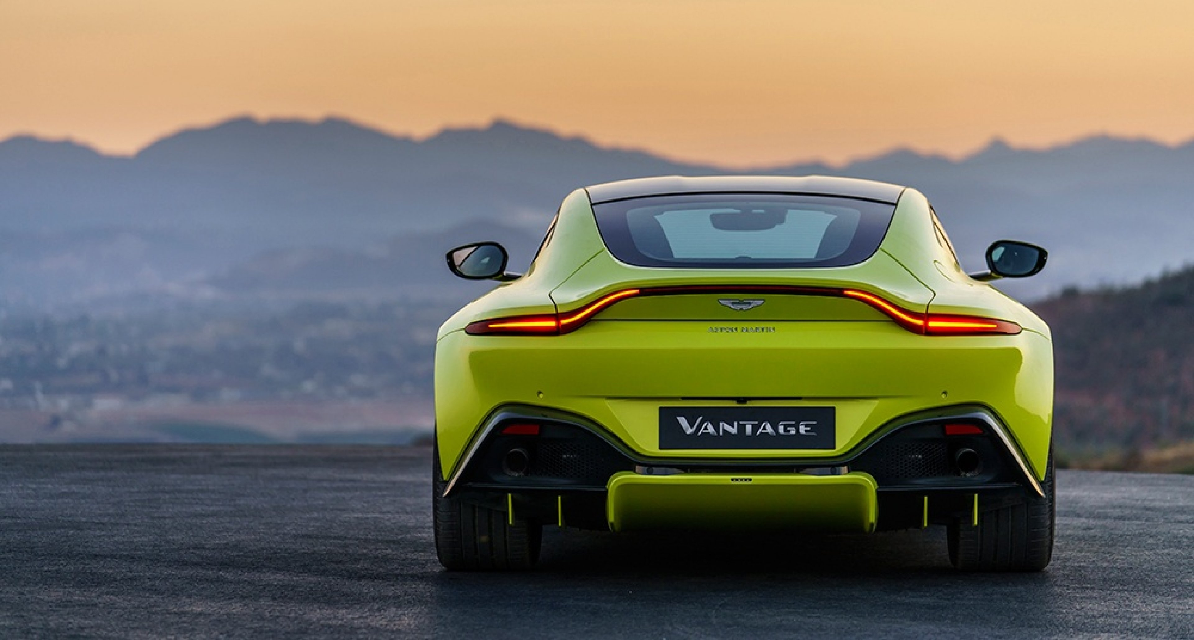 Der Neue Aston Martin Vantage Ist Ein Neongrünes Wunder Classic Driver Magazine