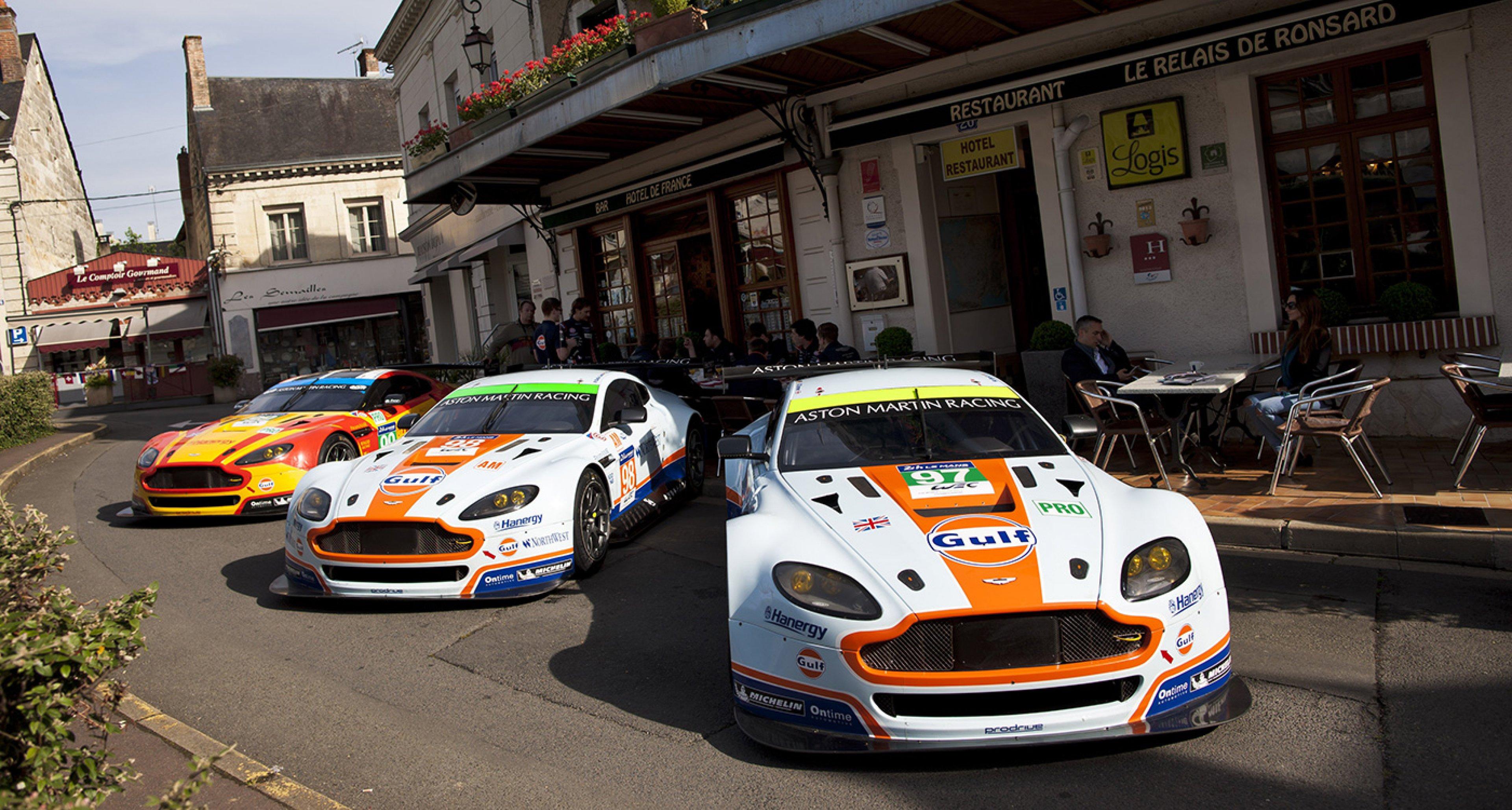 Déjà Vu Mit Aston Martin Racing Im Hotel De France In Le Mans Classic Driver Magazine
