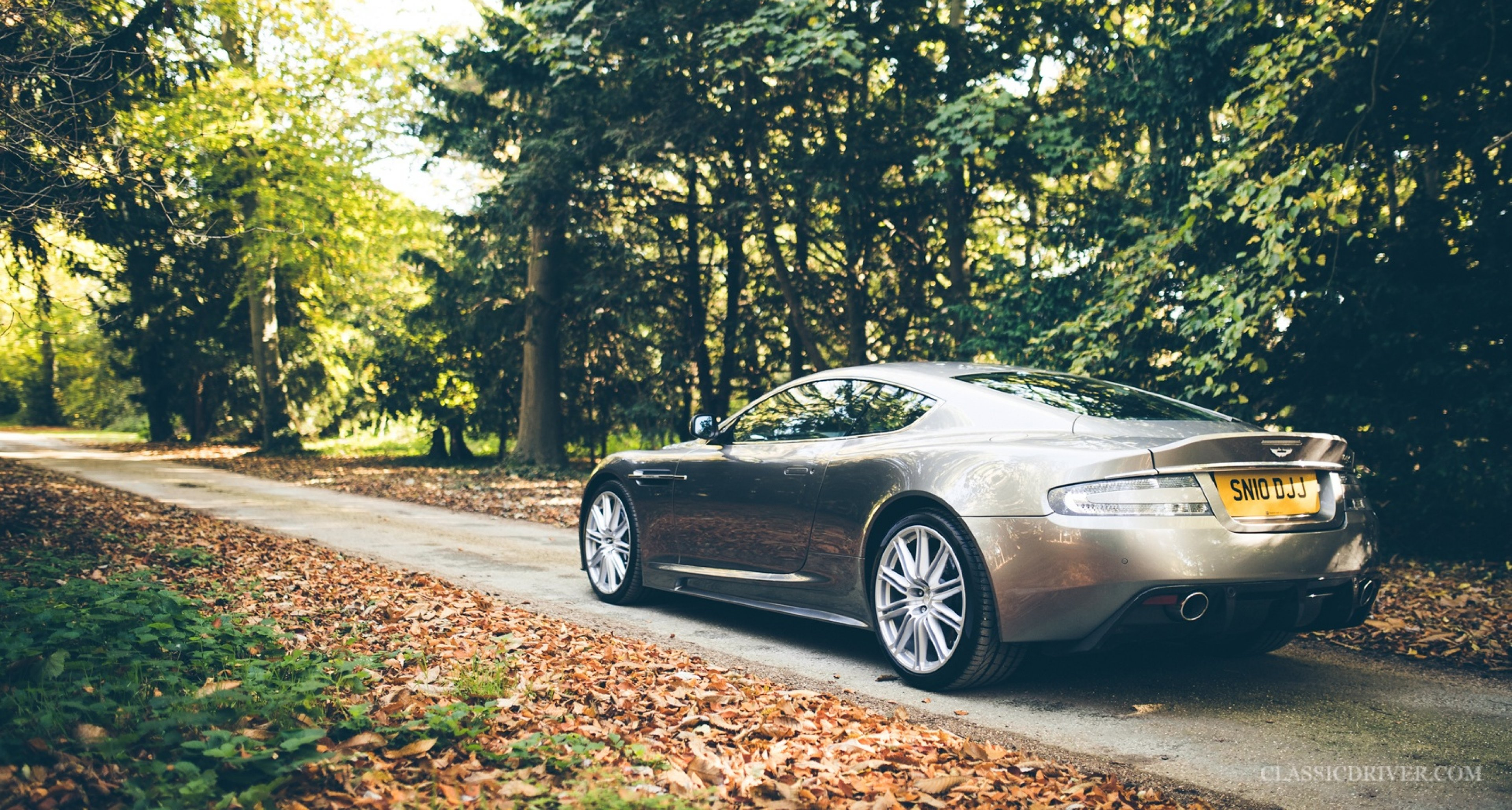 Vanquish Or Dbs Which Aston Martin V12 Should You Buy Now Classic Driver Magazine