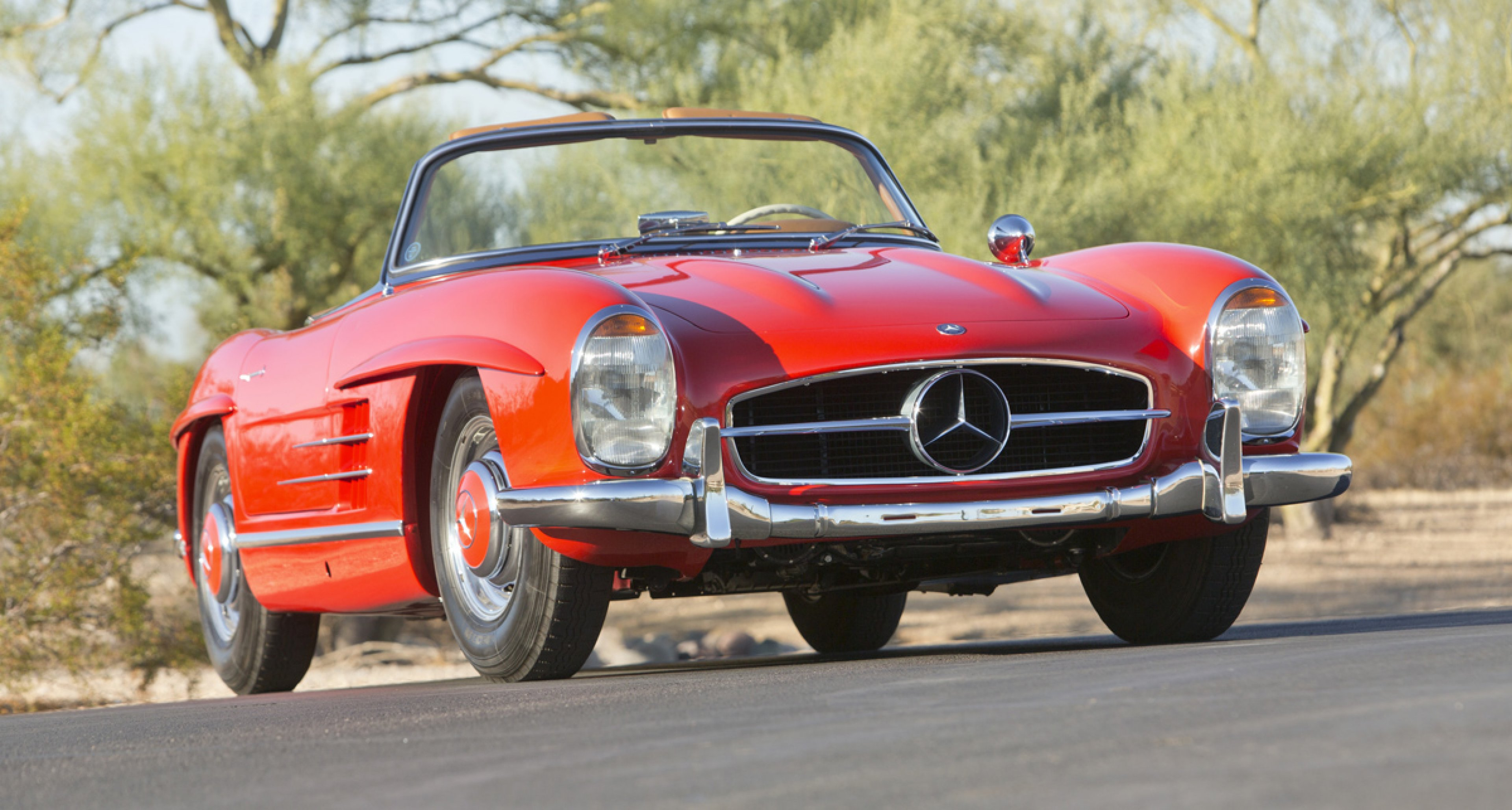 1961 Mercedes-Benz 300SL Roadster with Hardtop / $1,000,000 - $1,250,000 (Lot 125)