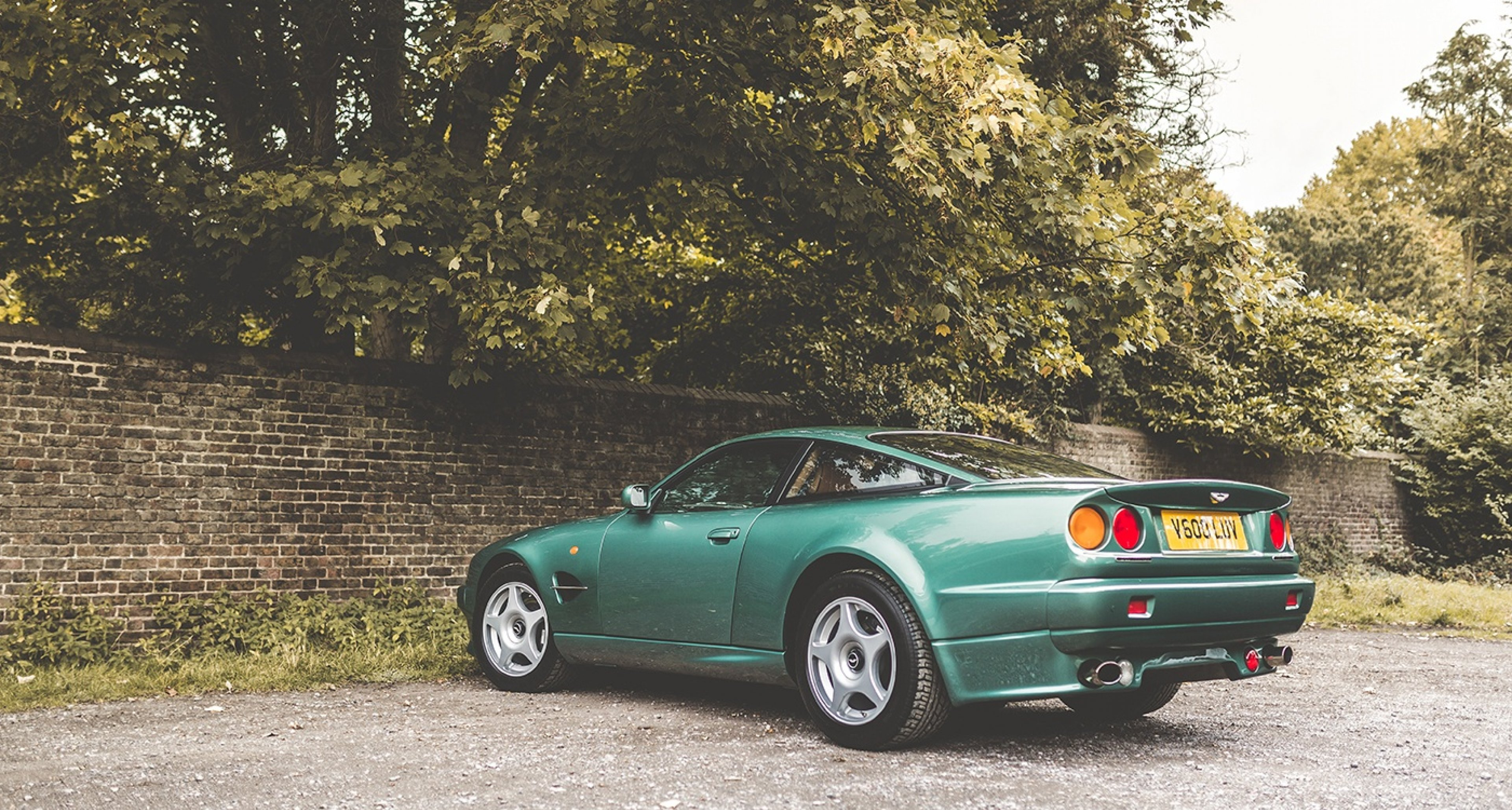 Le Mans V600 Das V8 Monster Für Aston Martins Jurassic Park Classic Driver Magazine
