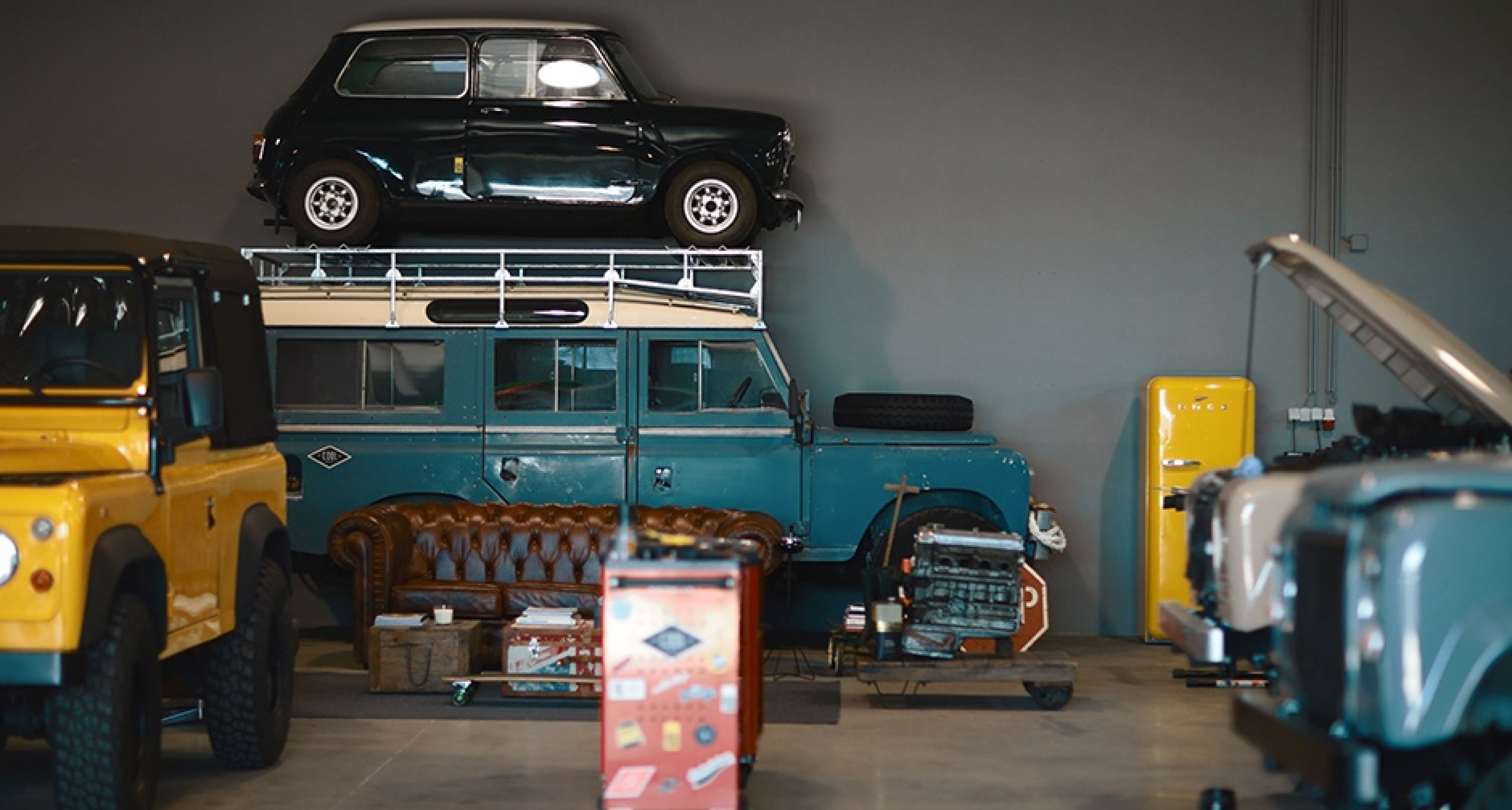 In Dieser Garage Baut Cool Vintage Seine Limitierten Landys