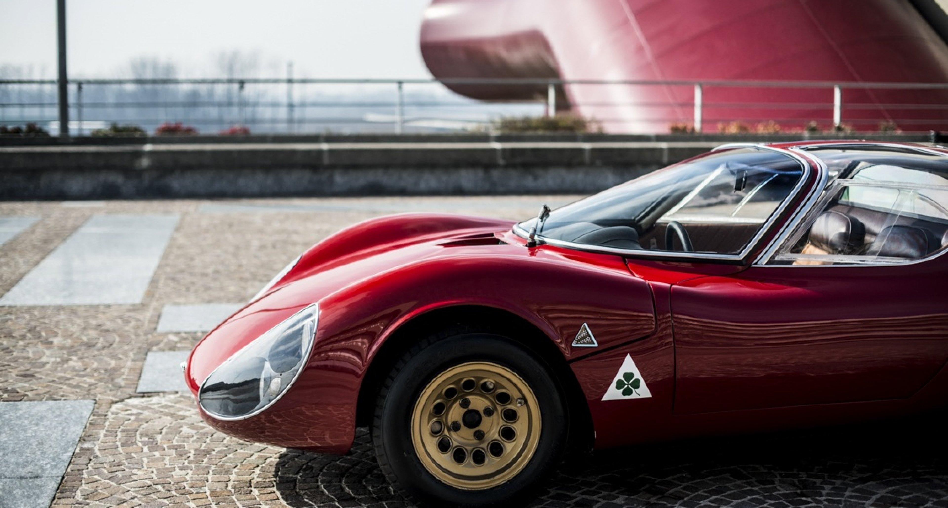 Alfa Romeo 33 Stradale Interior