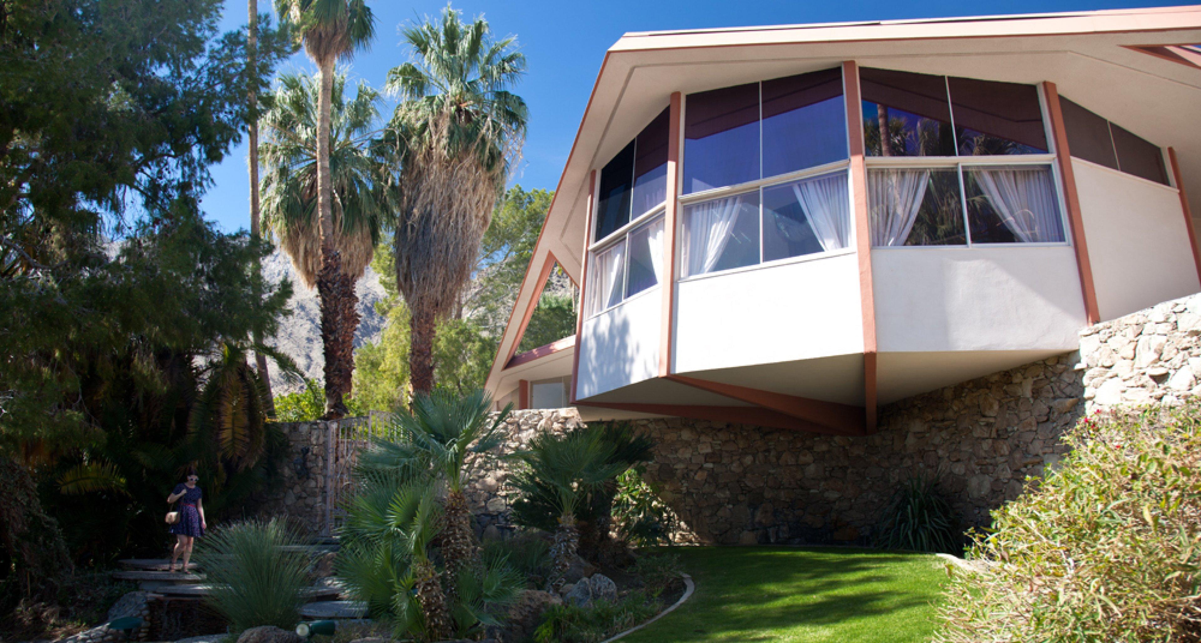 Elvis Honeymoon Hideaway: The Robert Alexander Estate (1960).