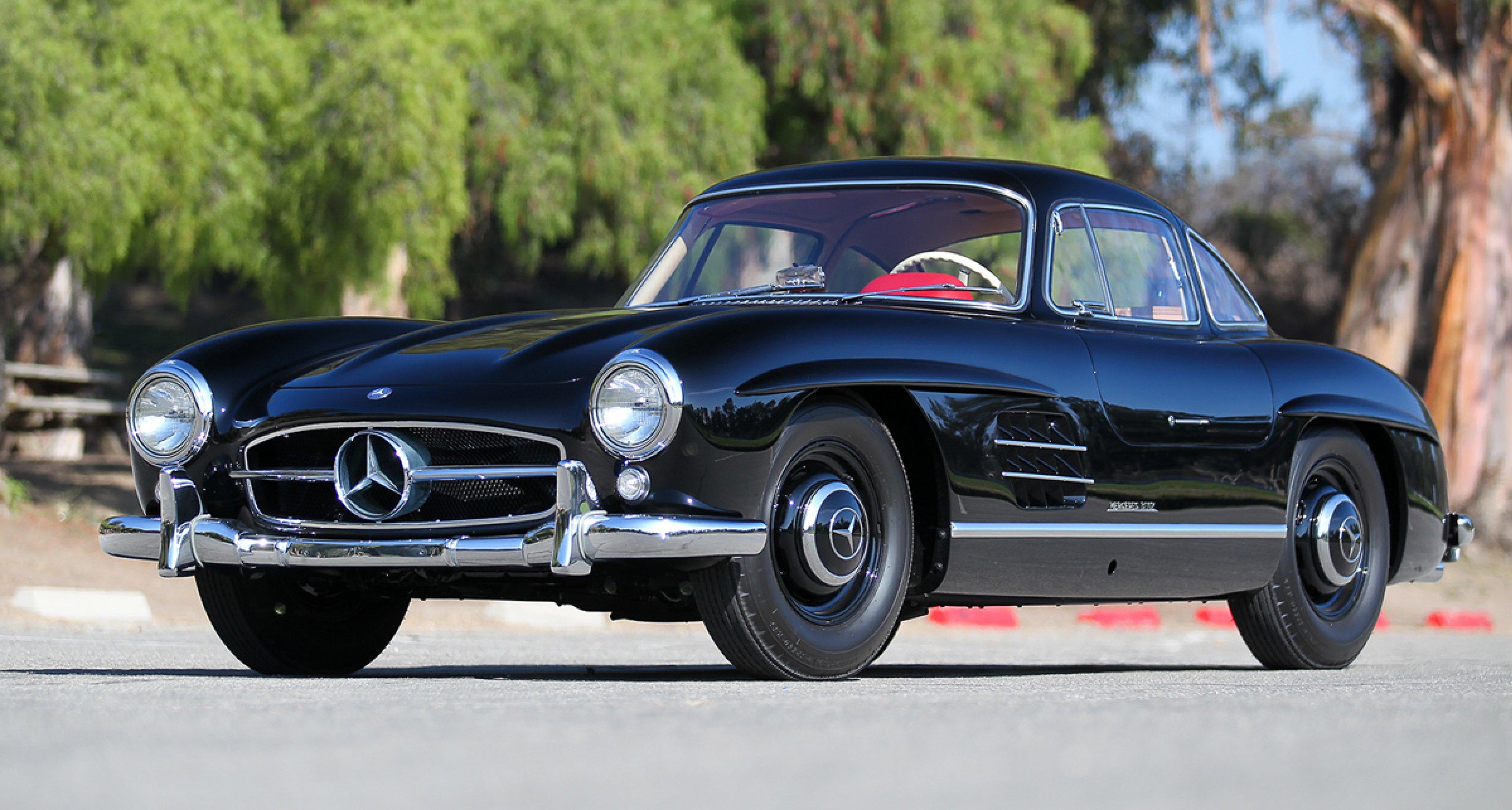 1956 Mercedes-Benz 300 SL Gullwing / $1,350,000 - $1,700,000 (Lot 122)