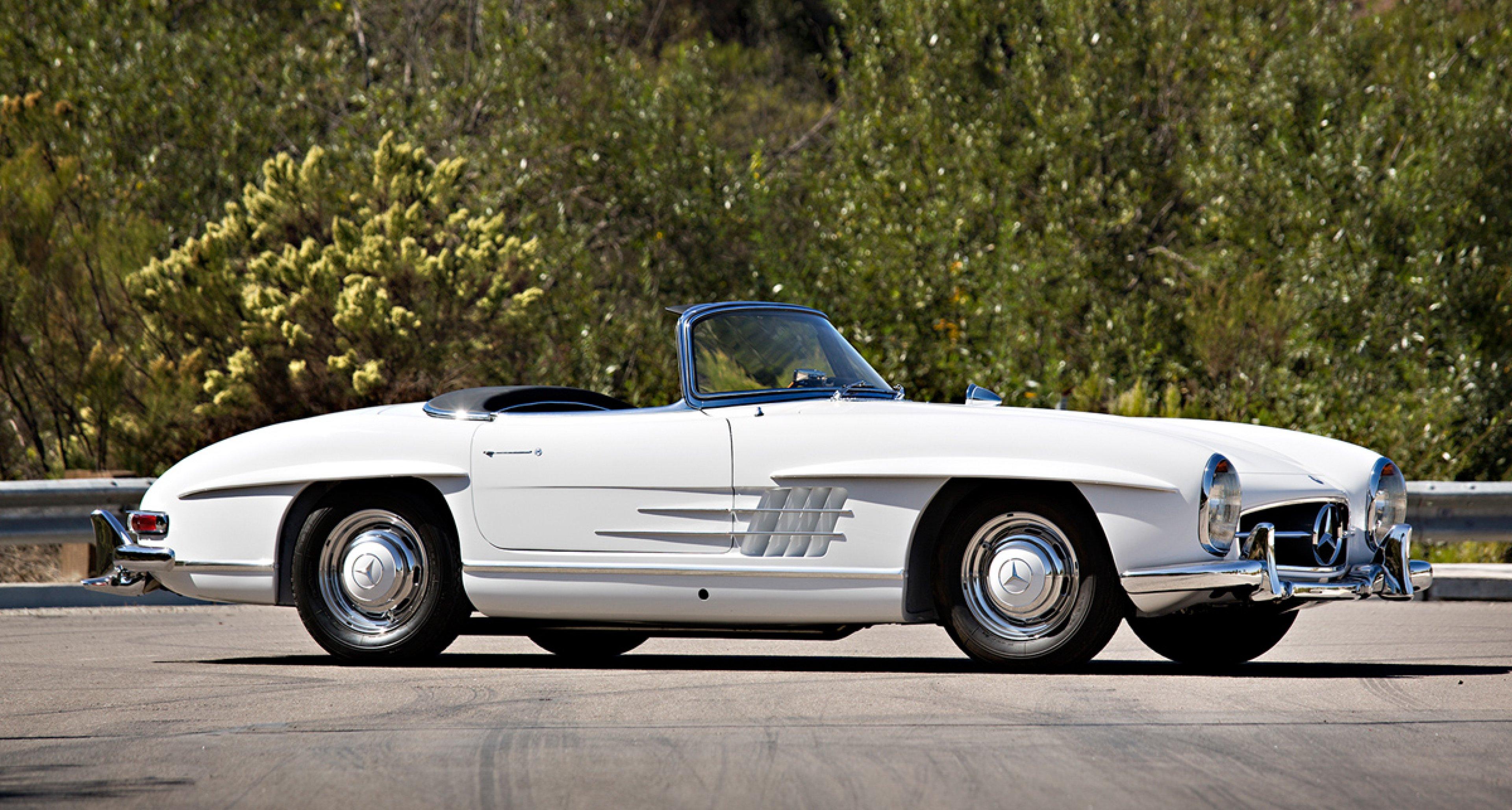 1959 Mercedes-Benz 300 SL Roadster / $1,000,000 - $1,300,000 (Lot 18)