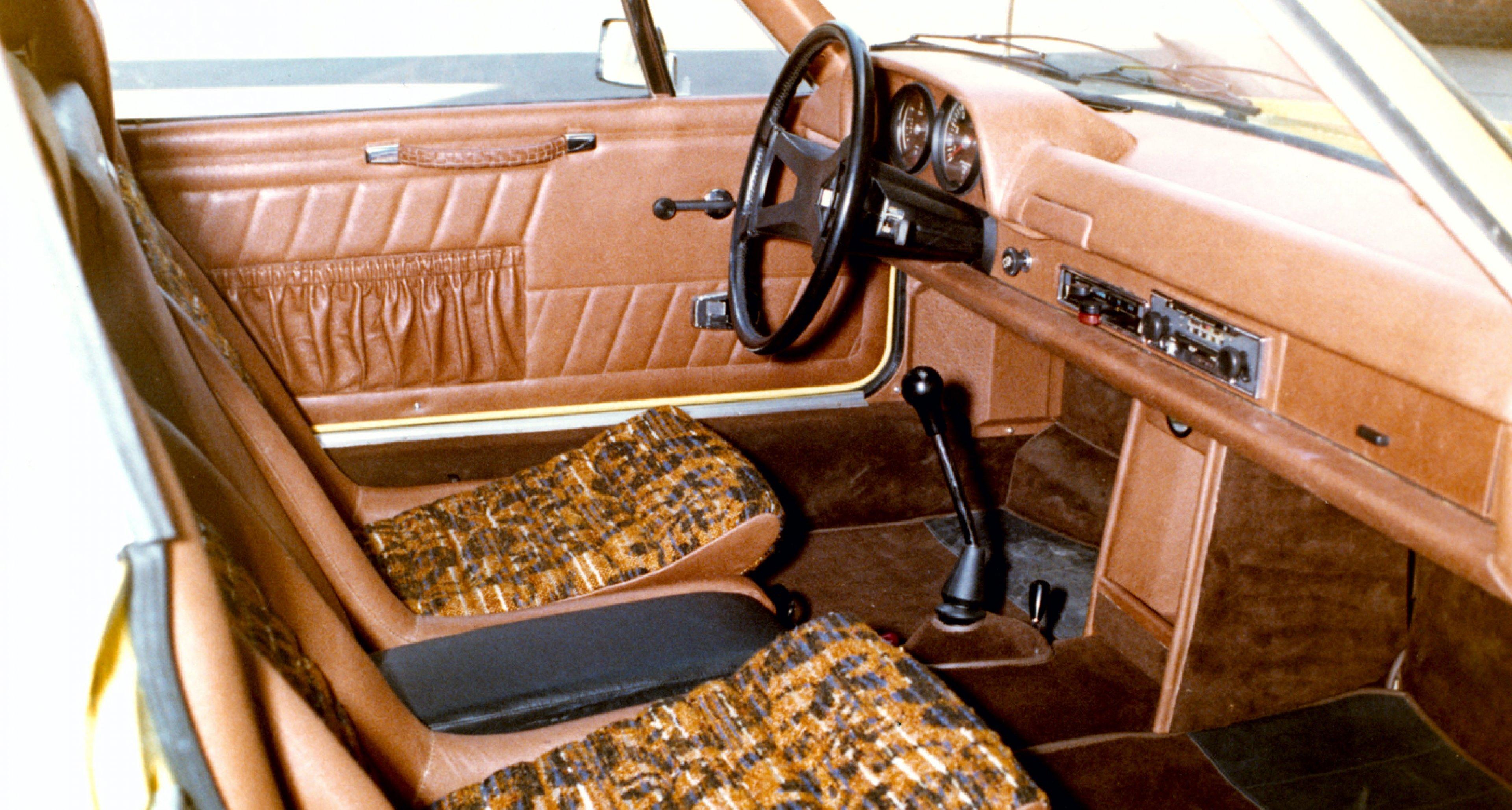 The interior of a 1970 Porsche 916.