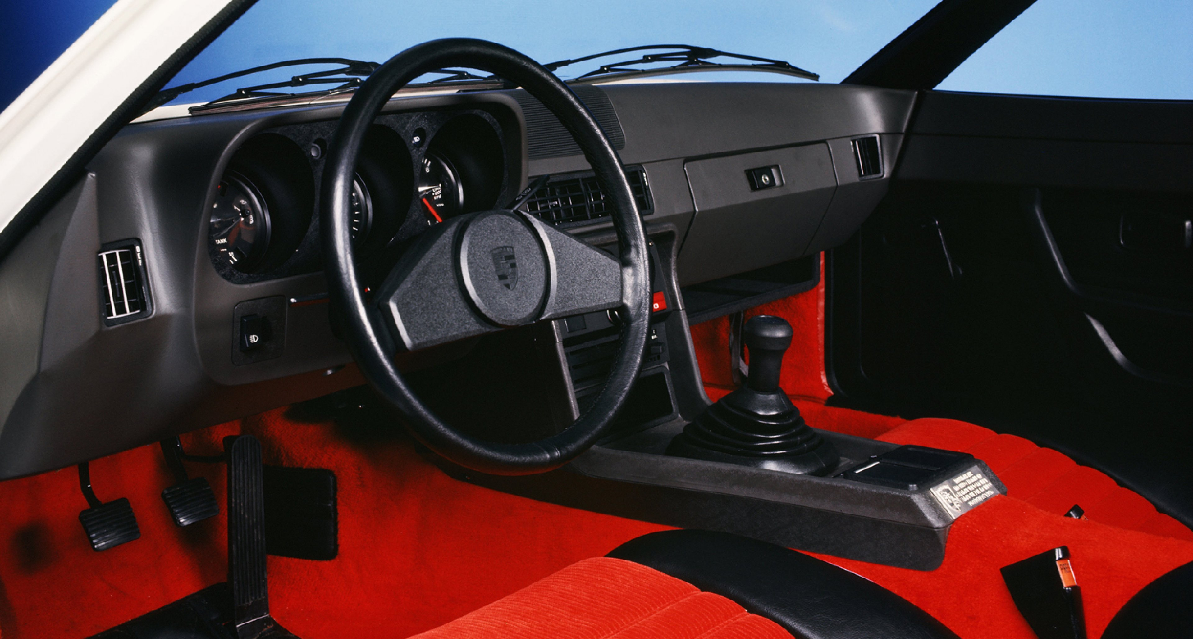 Porsche 924 martini and rossi edition rennlist porsche for Porsche 944 interieur