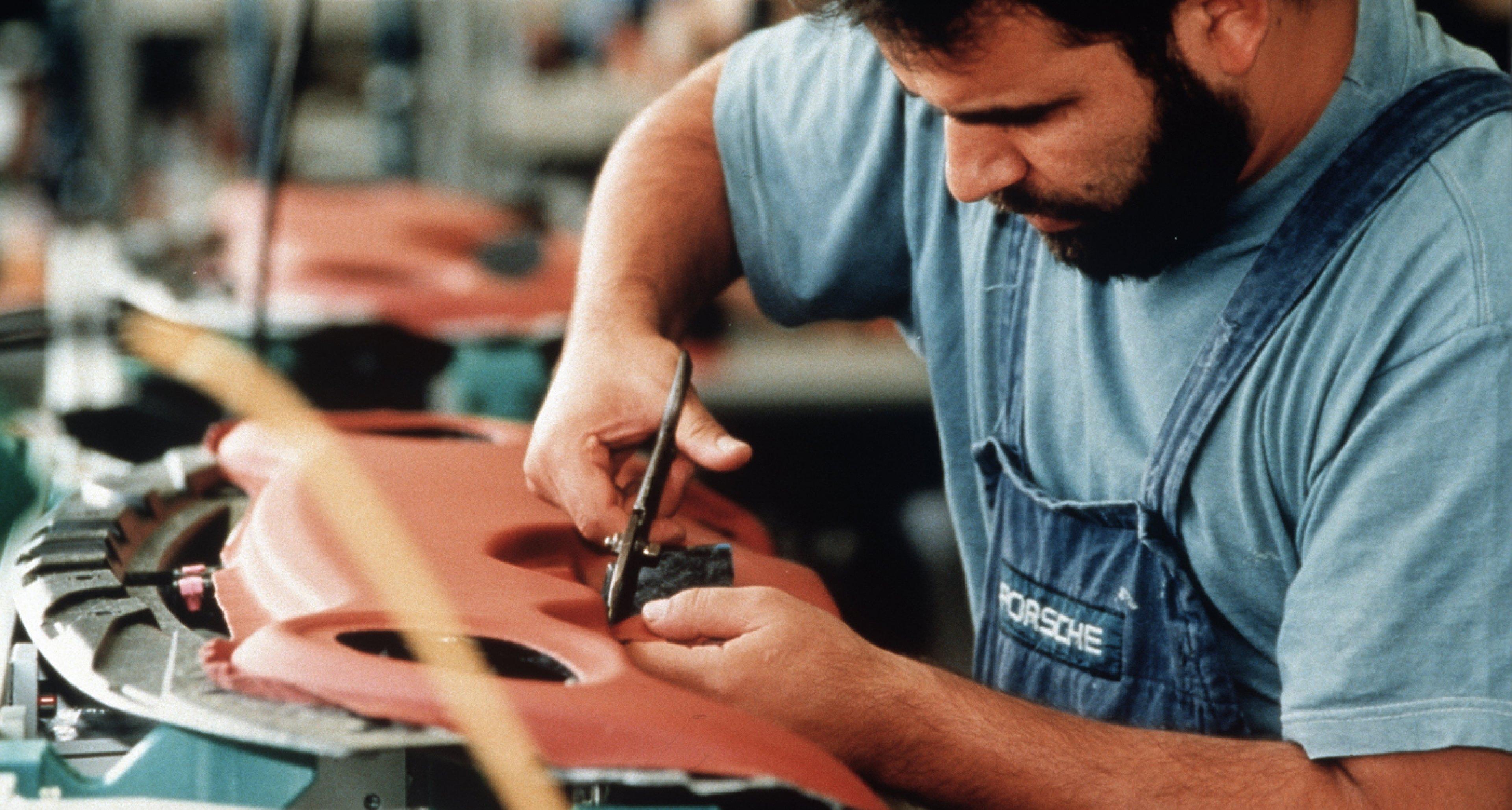 Craftsmanship at 'Porsche Exclusive' in 1998.