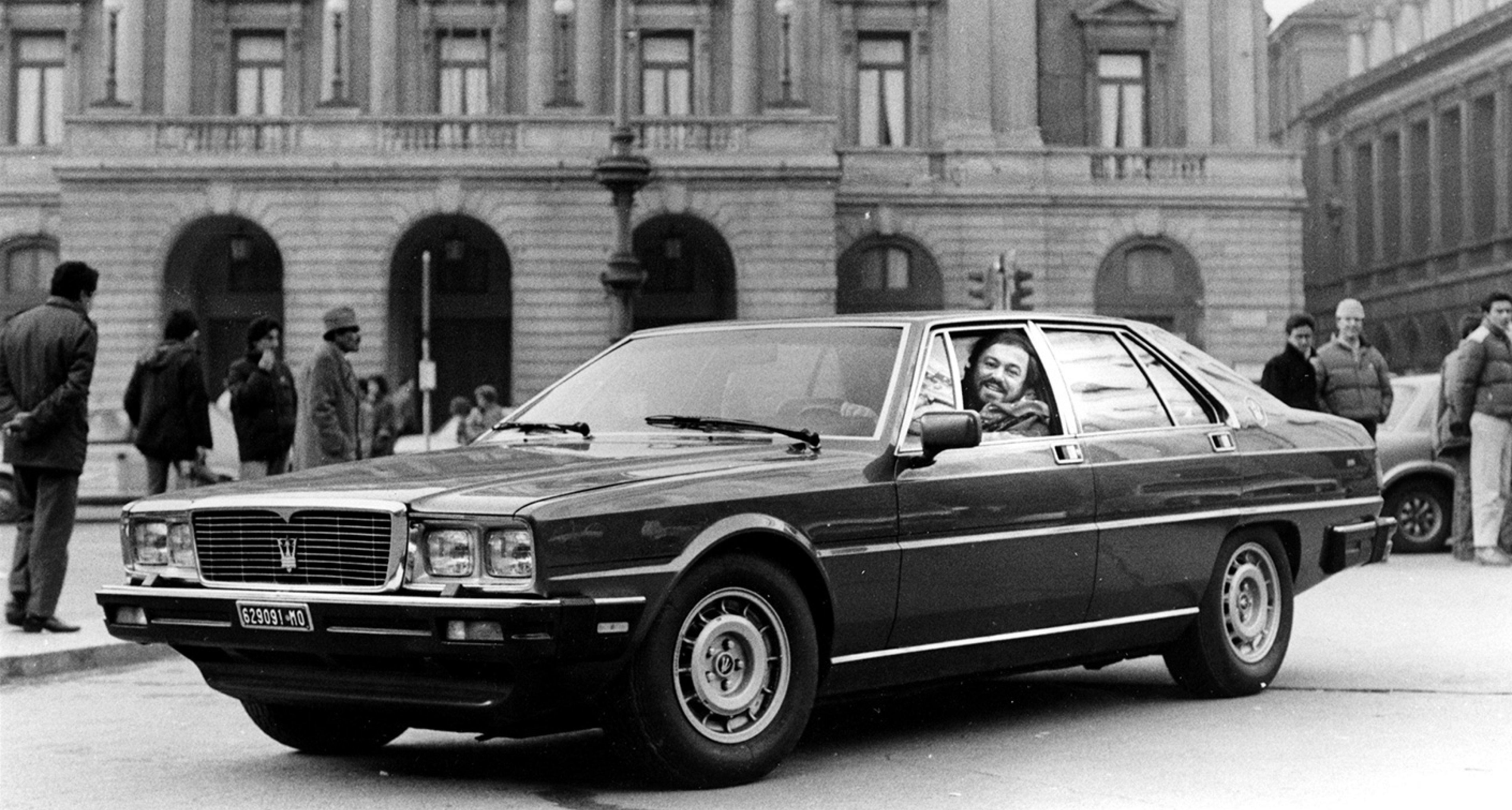 Luciano Pavarotti in a Maserati Quattroporte III Tipo AM 330