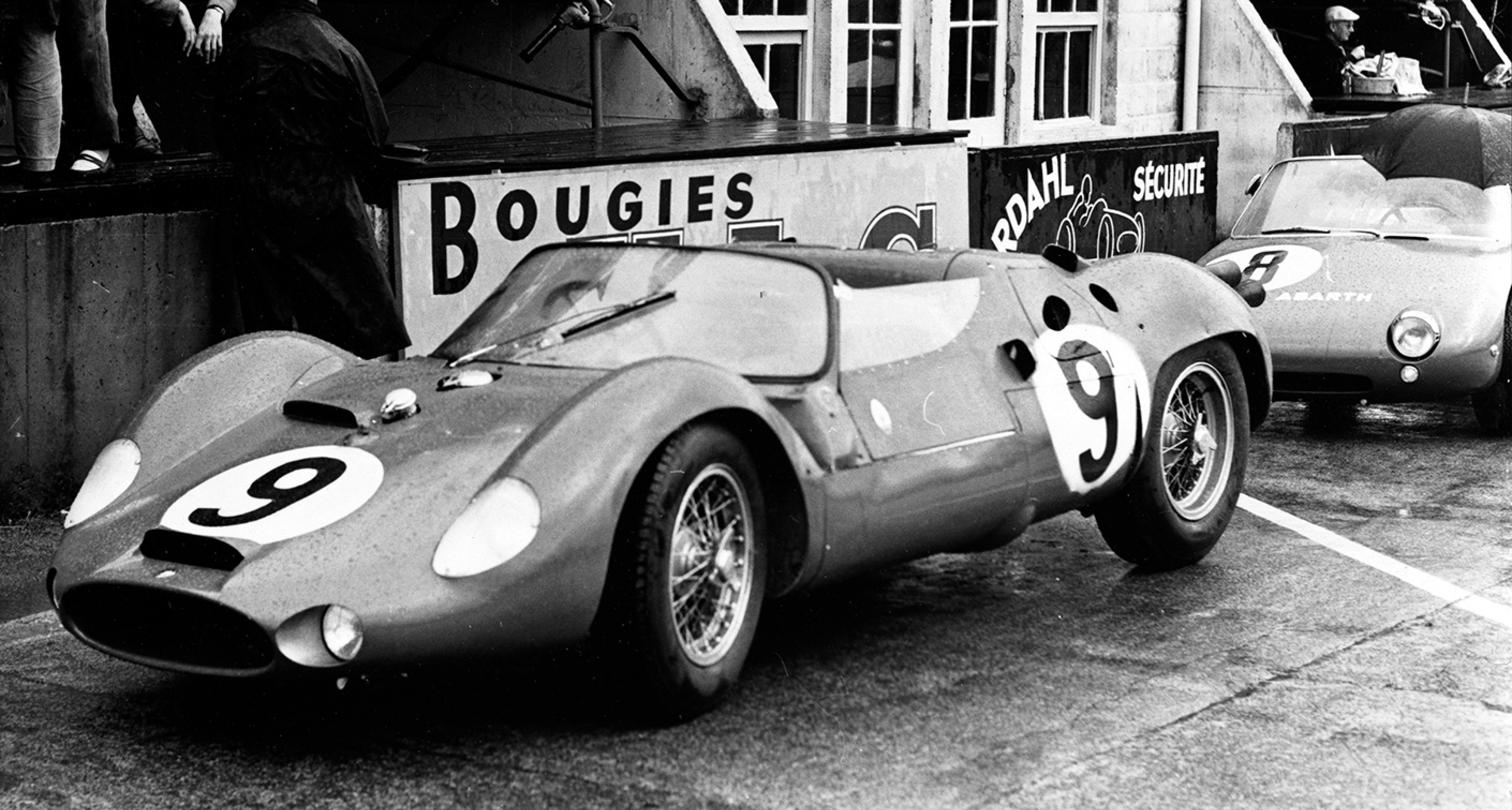Tipo 63 'Birdcage' in the pits at 1963 Le Mans 24 Hour race
