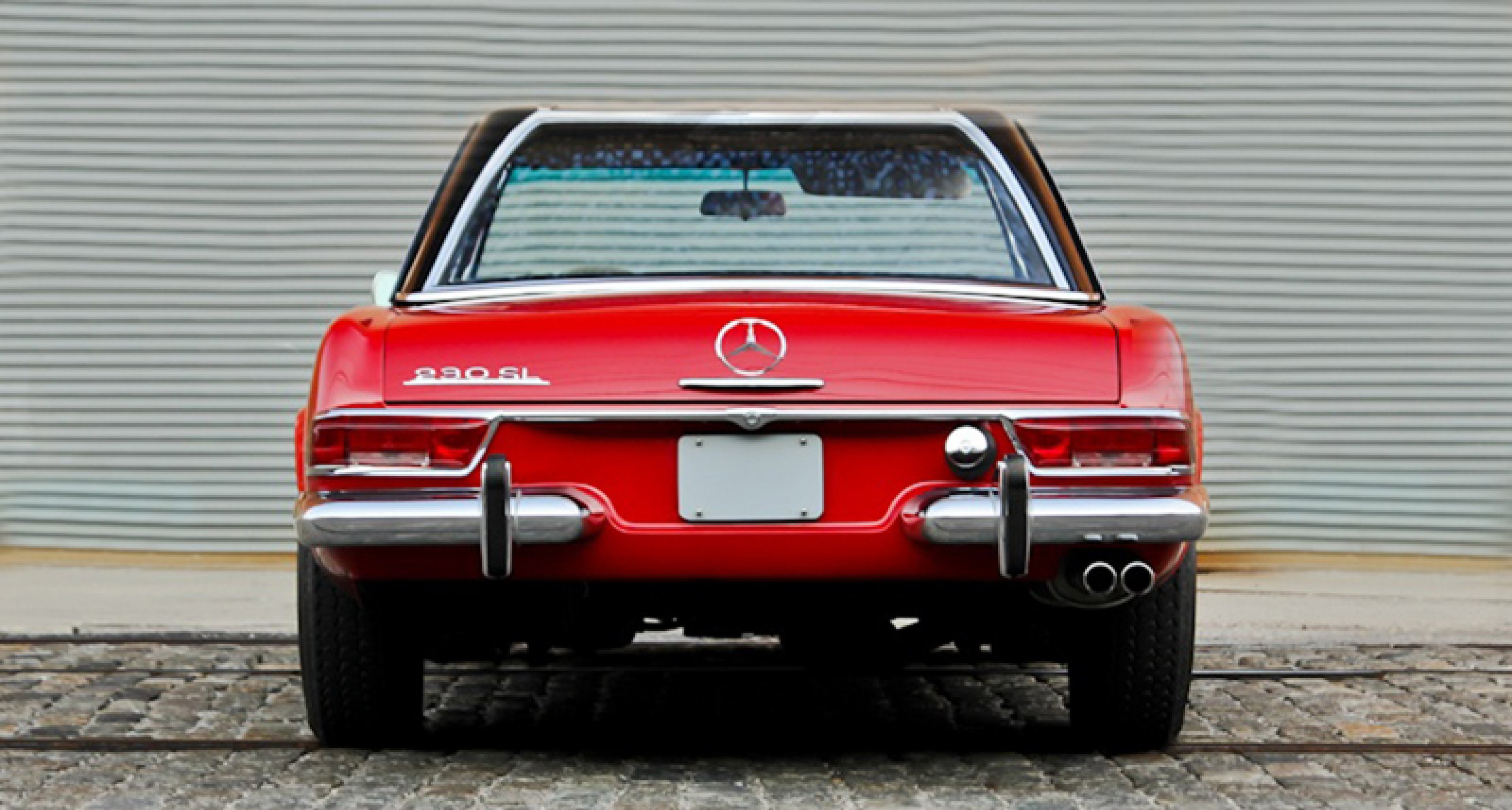 Cars we love mercedes benz sl pagoda classic driver for Mercedes benz classic magazine