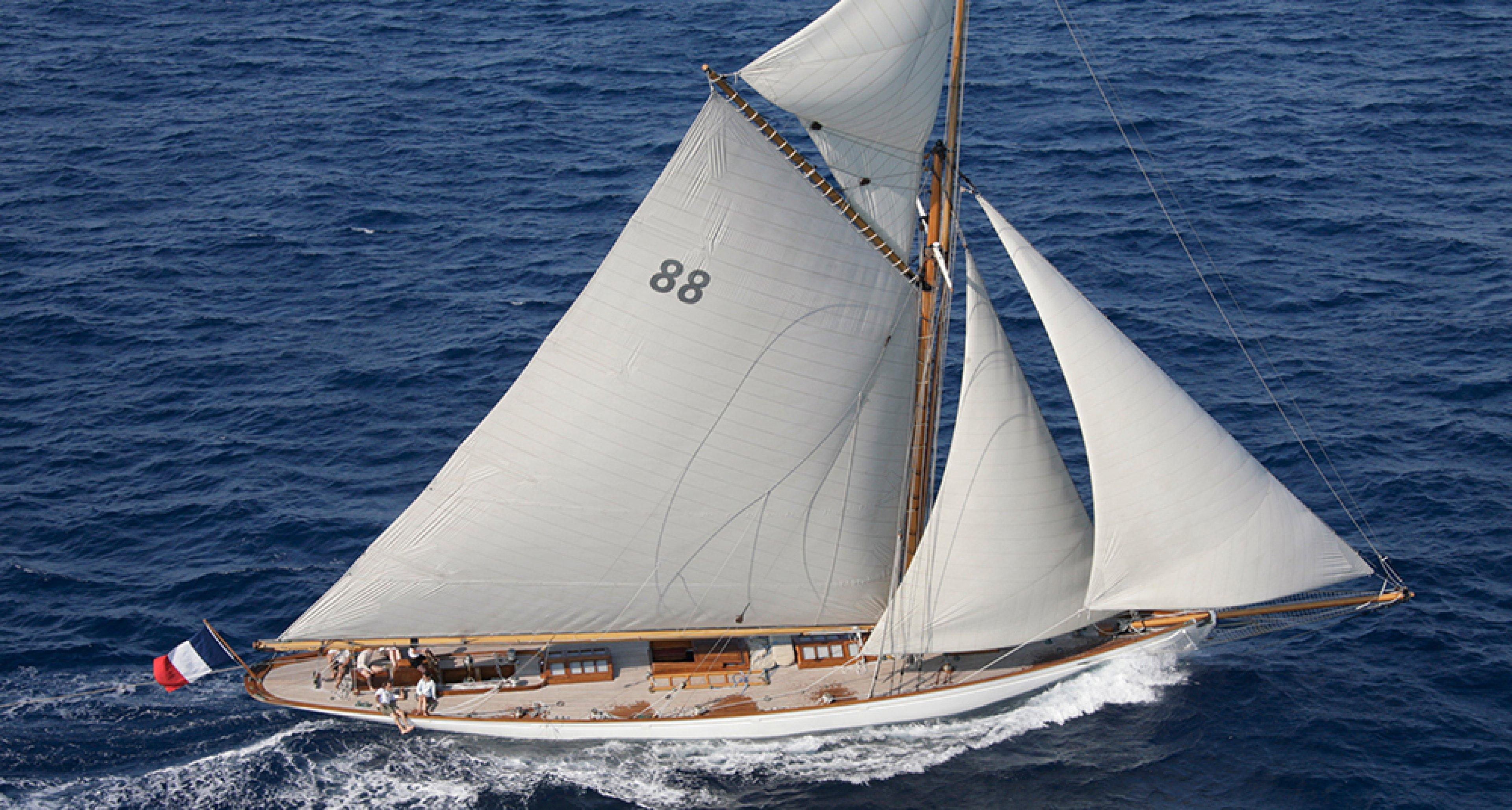 Klassische segelyachten  Die legendäre Segelyacht Moonbeam III wird versteigert | Classic ...