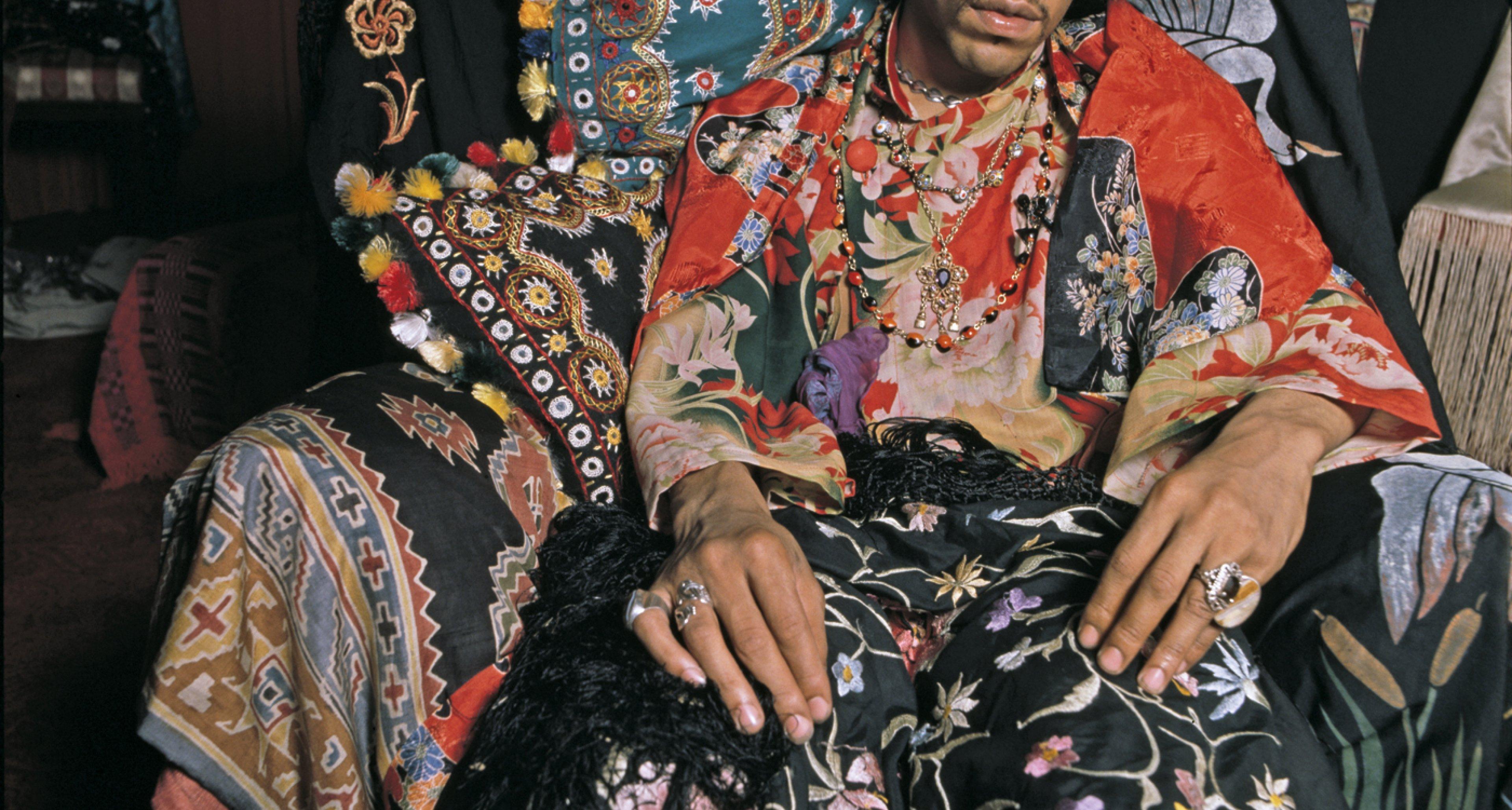 Jimi Hendrix - Photo by Terence Donovan/Getty Images. Original Man, Copyright Gestalten 2014