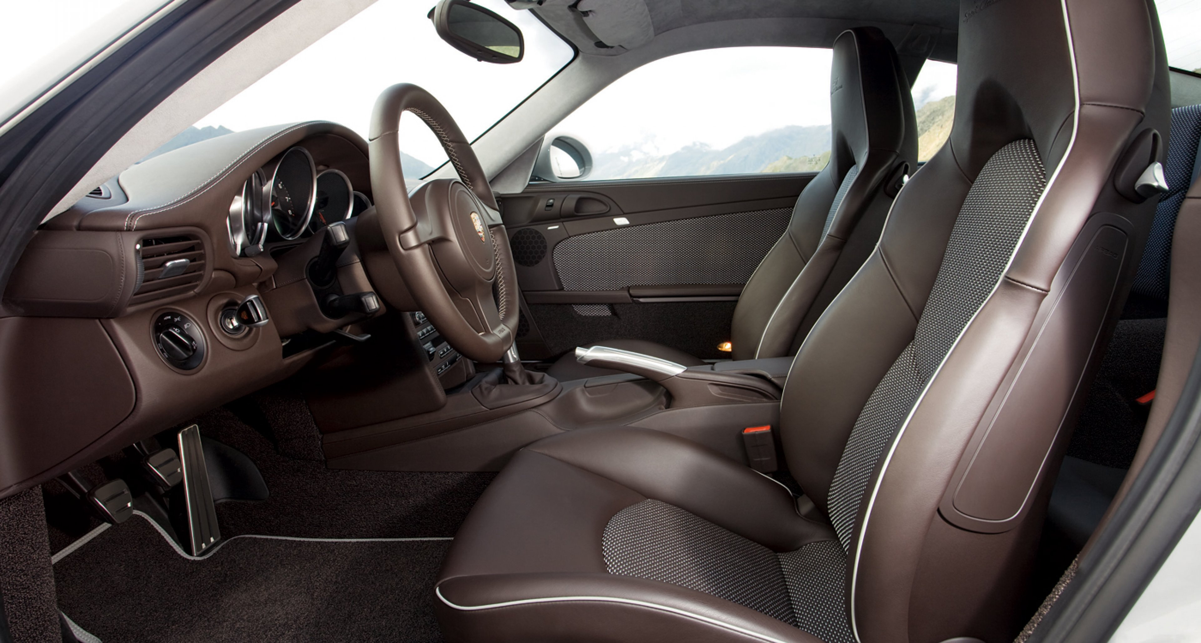Retro interior inside the limited-edition 2010 Porsche 911 Sport Classic.