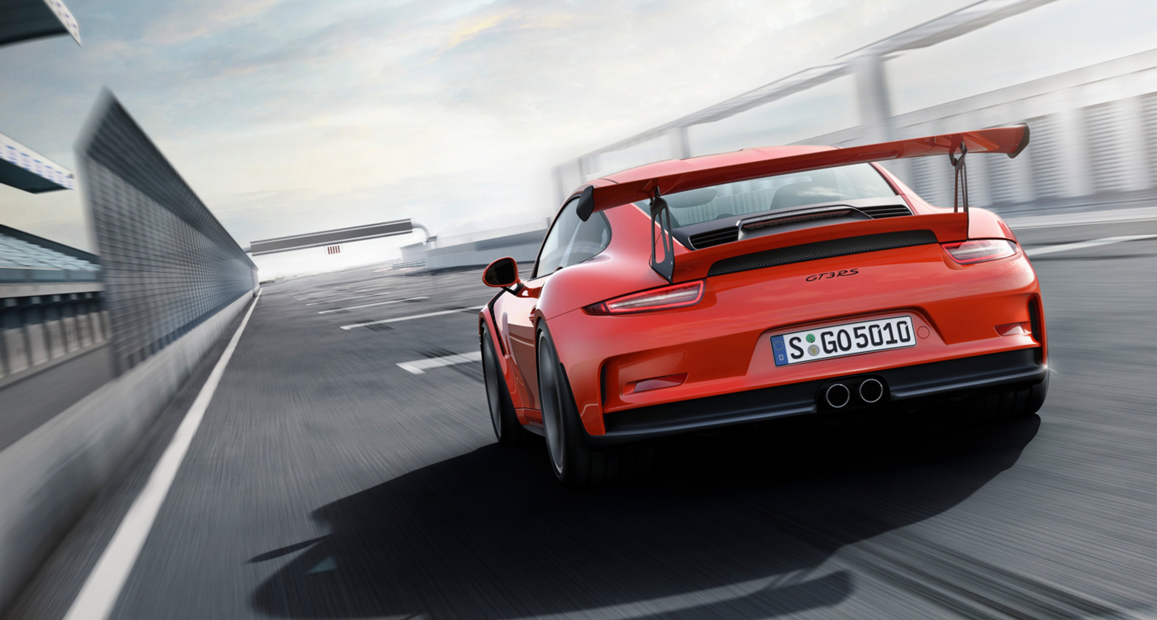 the new porsche 911 gt3 rs is faster than the carrera gt classic