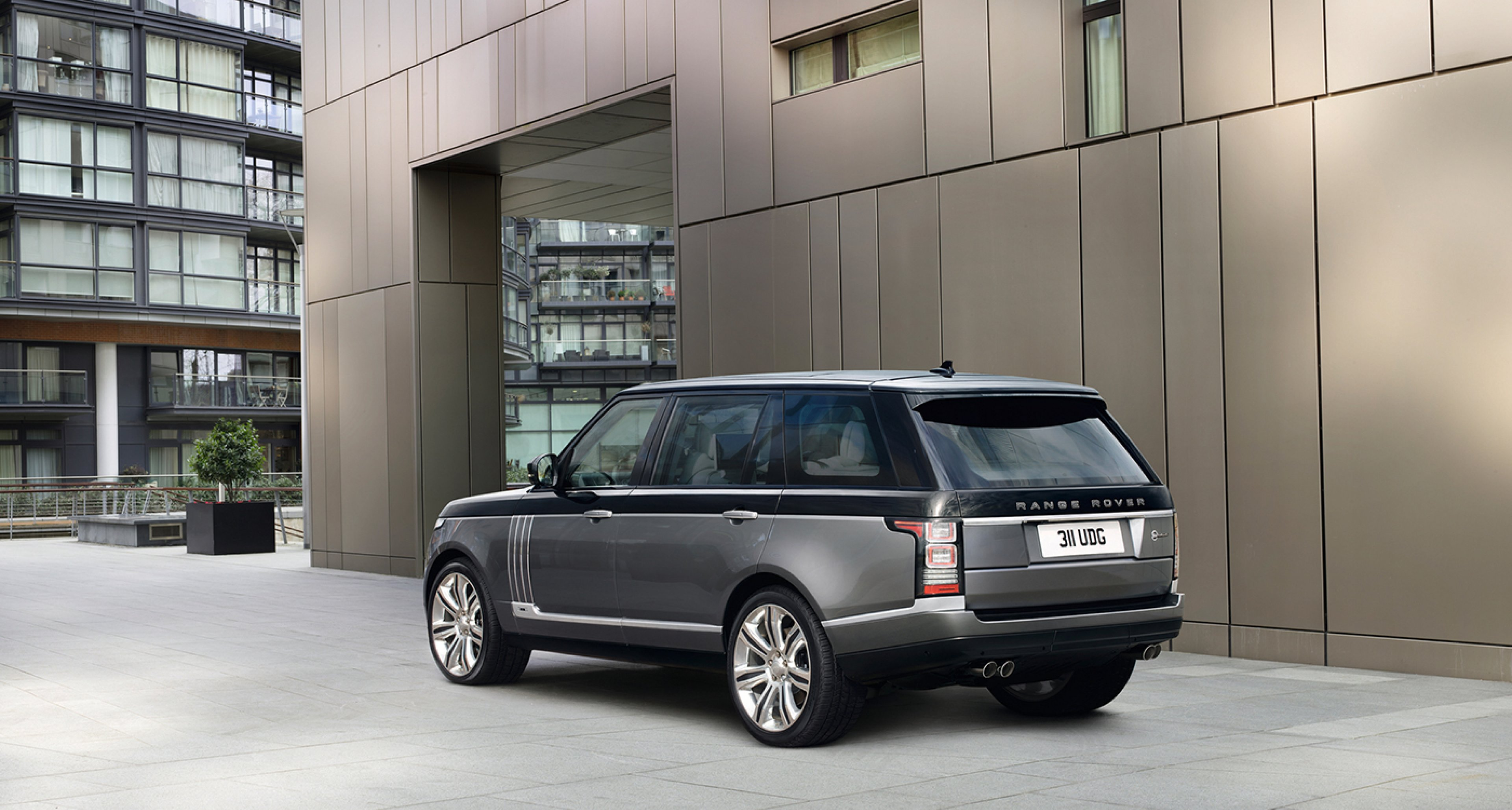 Meet The Two Tone 200 000 Range Rover Sv Autobiography
