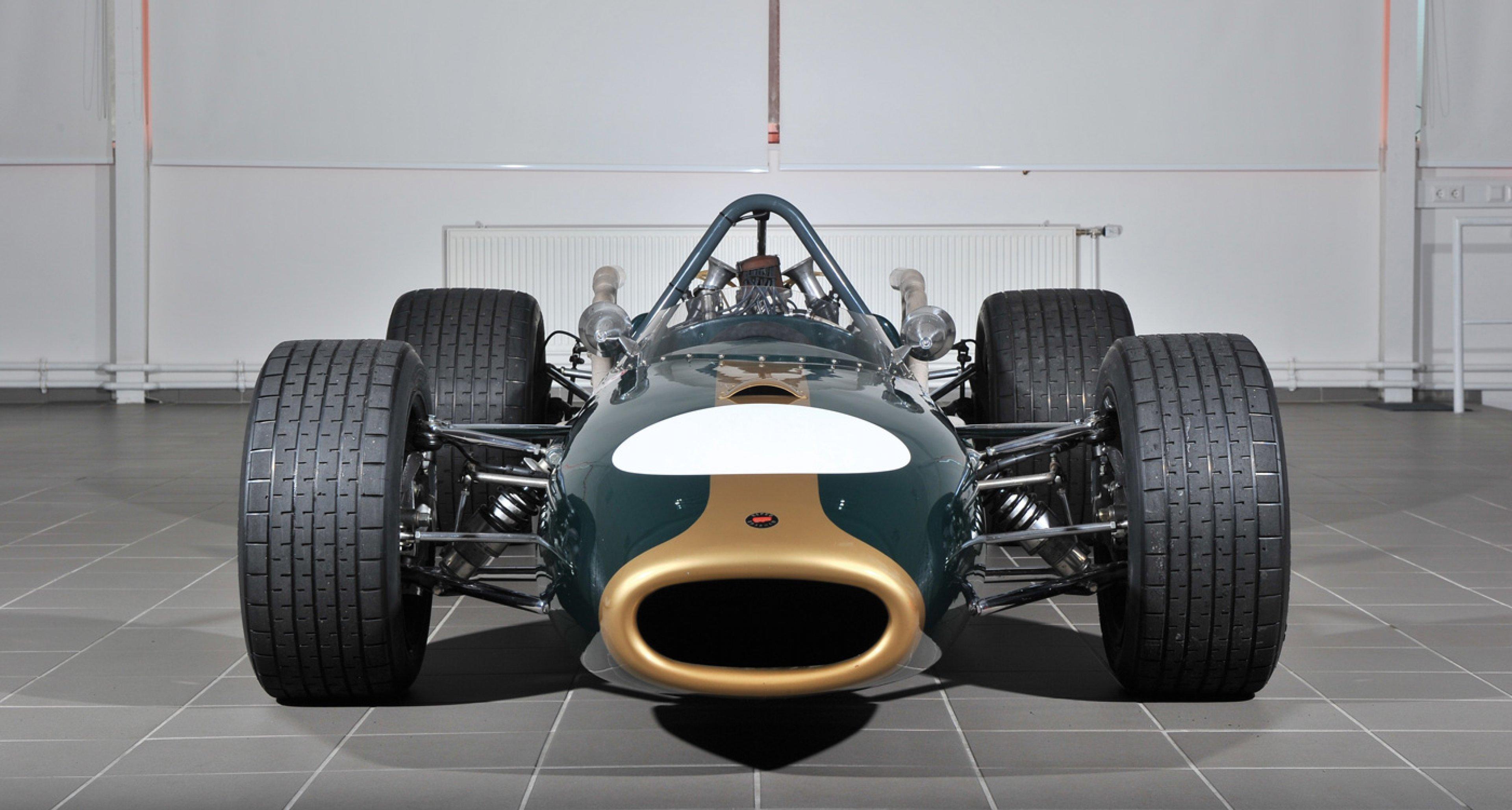 Lot 179 / 1966 Brabham-Repco BT20 Formula One / € 1,092,000