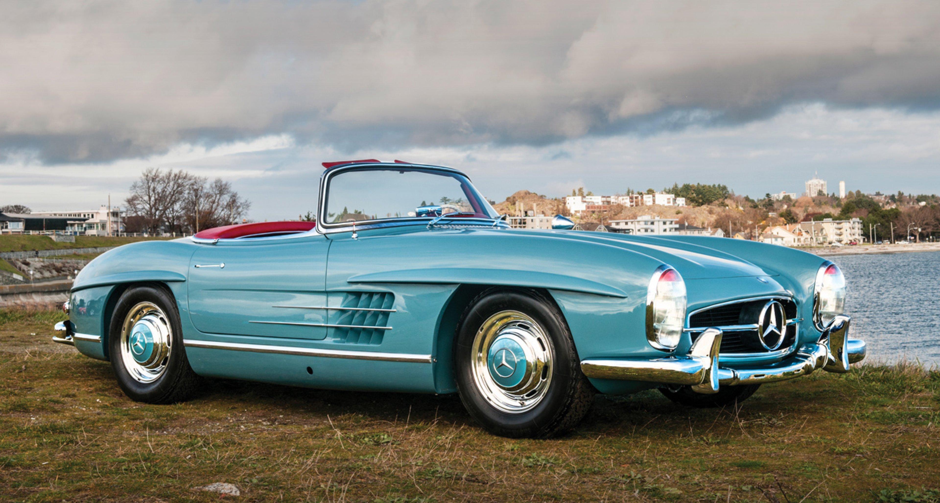 1958 Mercedes-Benz 300 SL Roadster / $900,000 - $1,200,000 (Lot 20)
