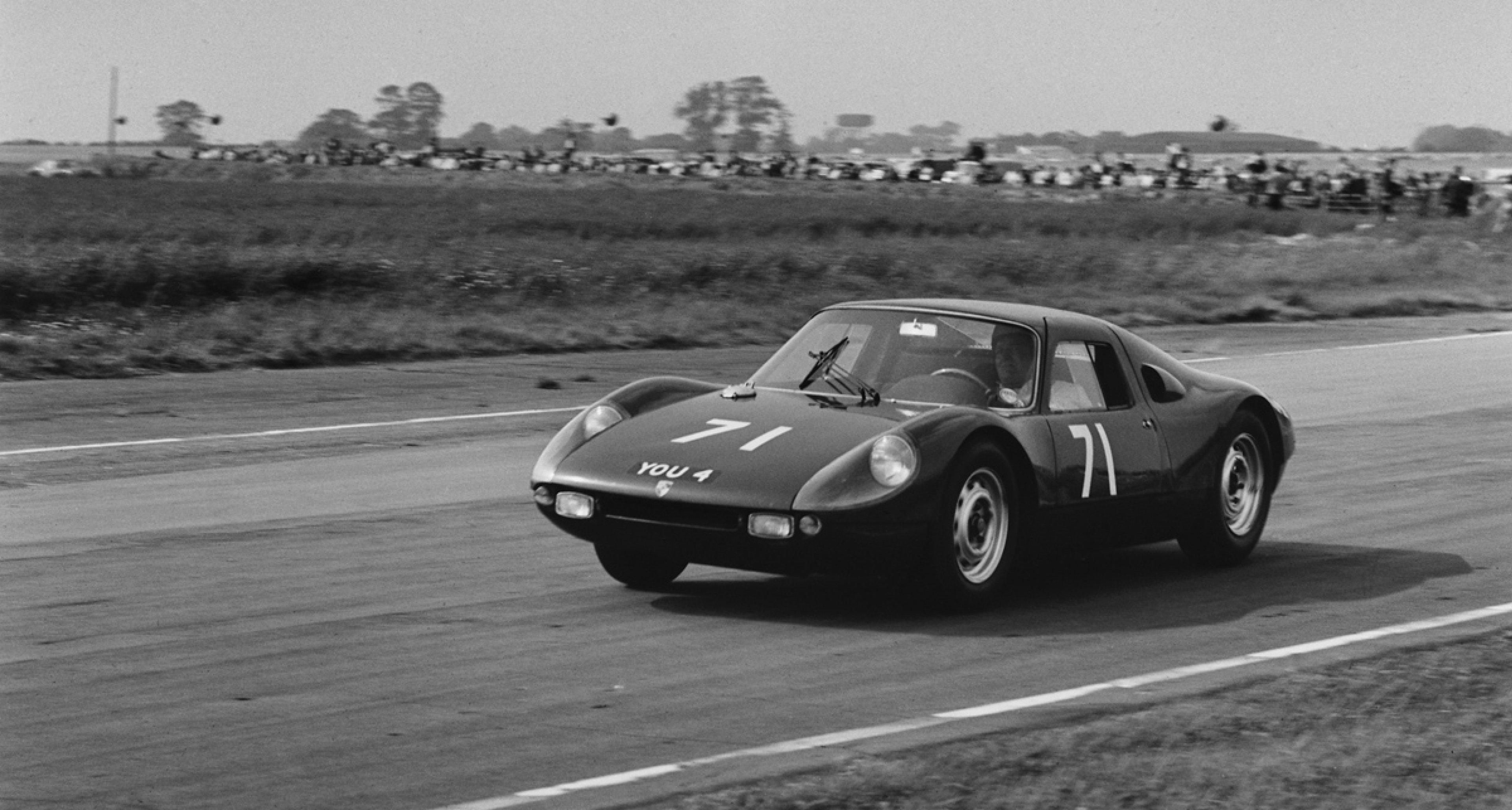 Lot 28: 1964 Porsche 904 Carrera GTS € 1.000.000 - 1.400.000
