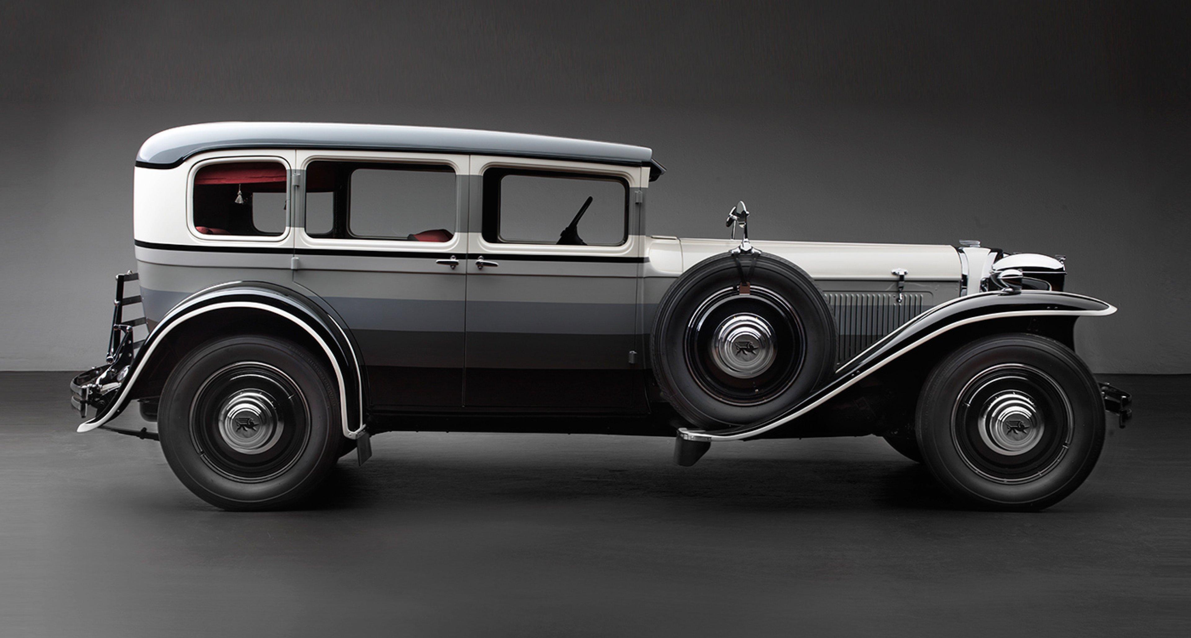 Ruxton Joseph Urban Sedan, 1931, The Richard H. Driehaus Collection at Chicago Vintage Motor Carriage; Photo © 2016 Peter Harholdt