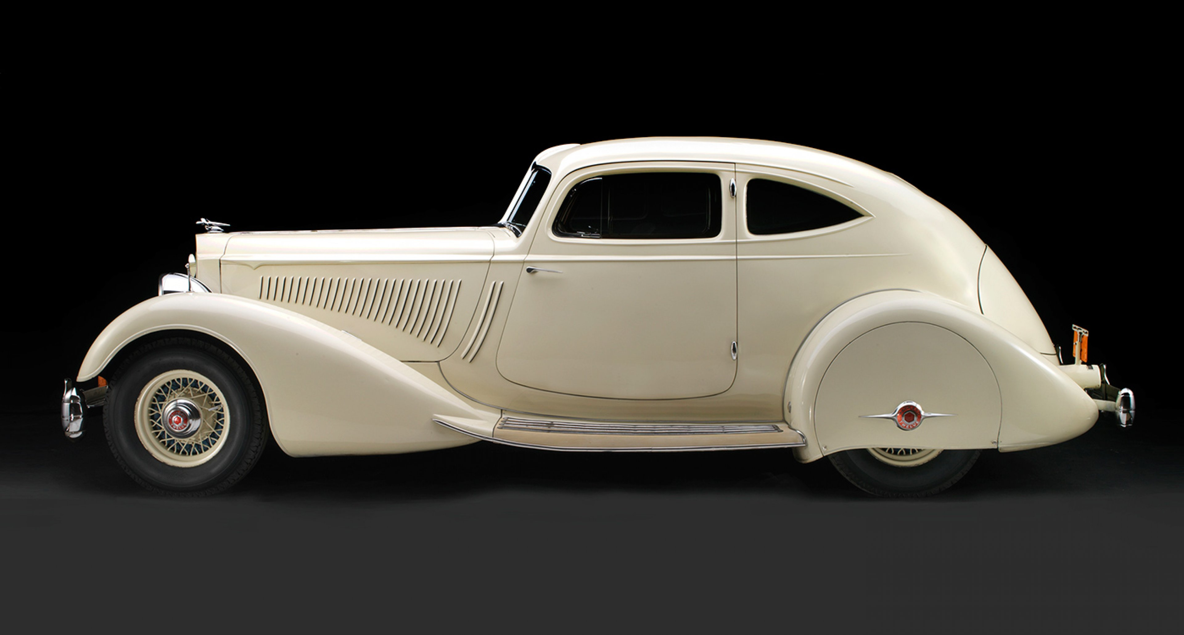 Packard Twelve Model 1106, 1934, Collection of Bob, Sandy, and Gary Bahre; Photo © 2016 Peter Harholdt
