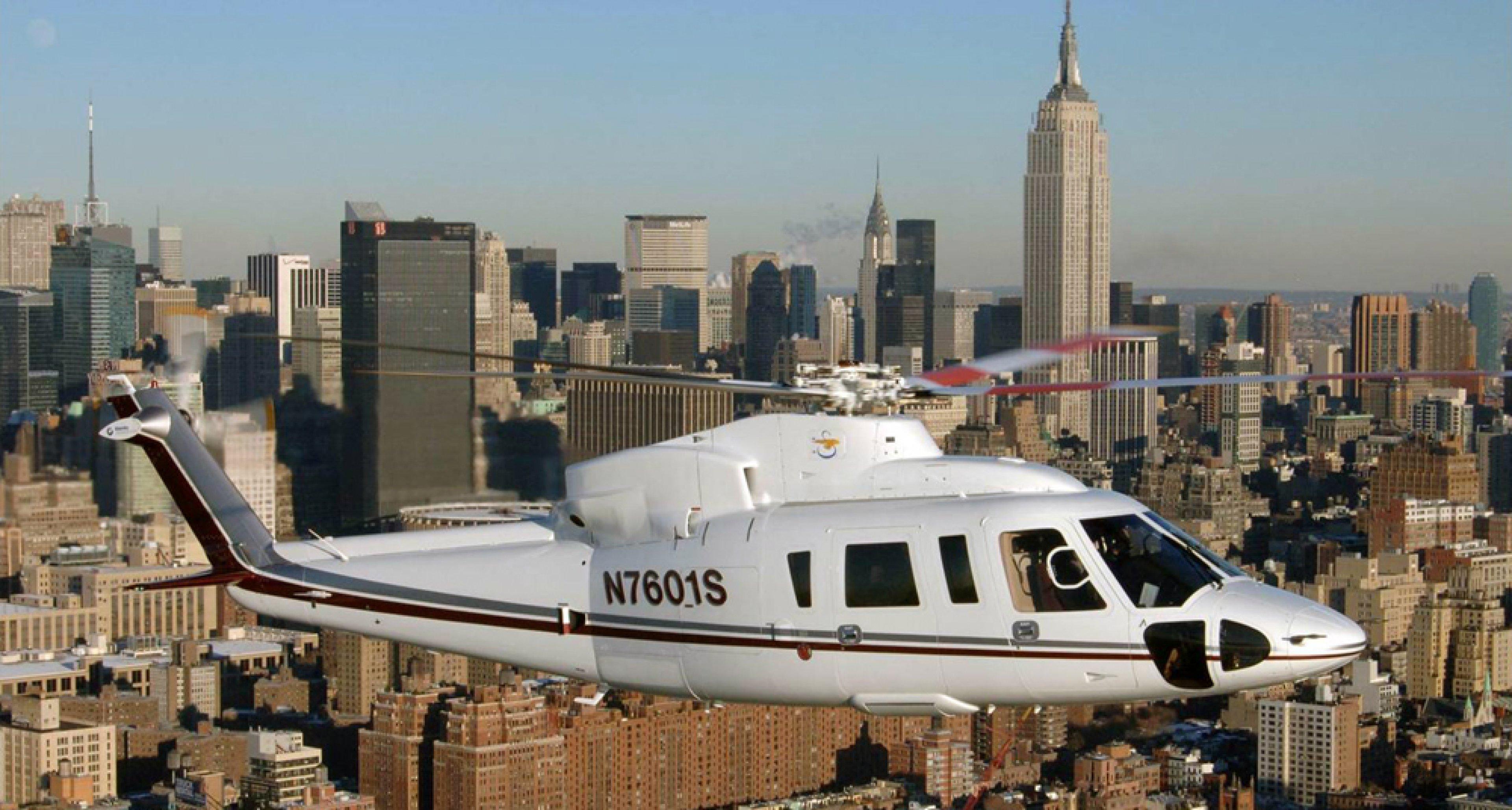 Der Rolls-Royce des Luftraums über der Wall Street der Skorsky S76