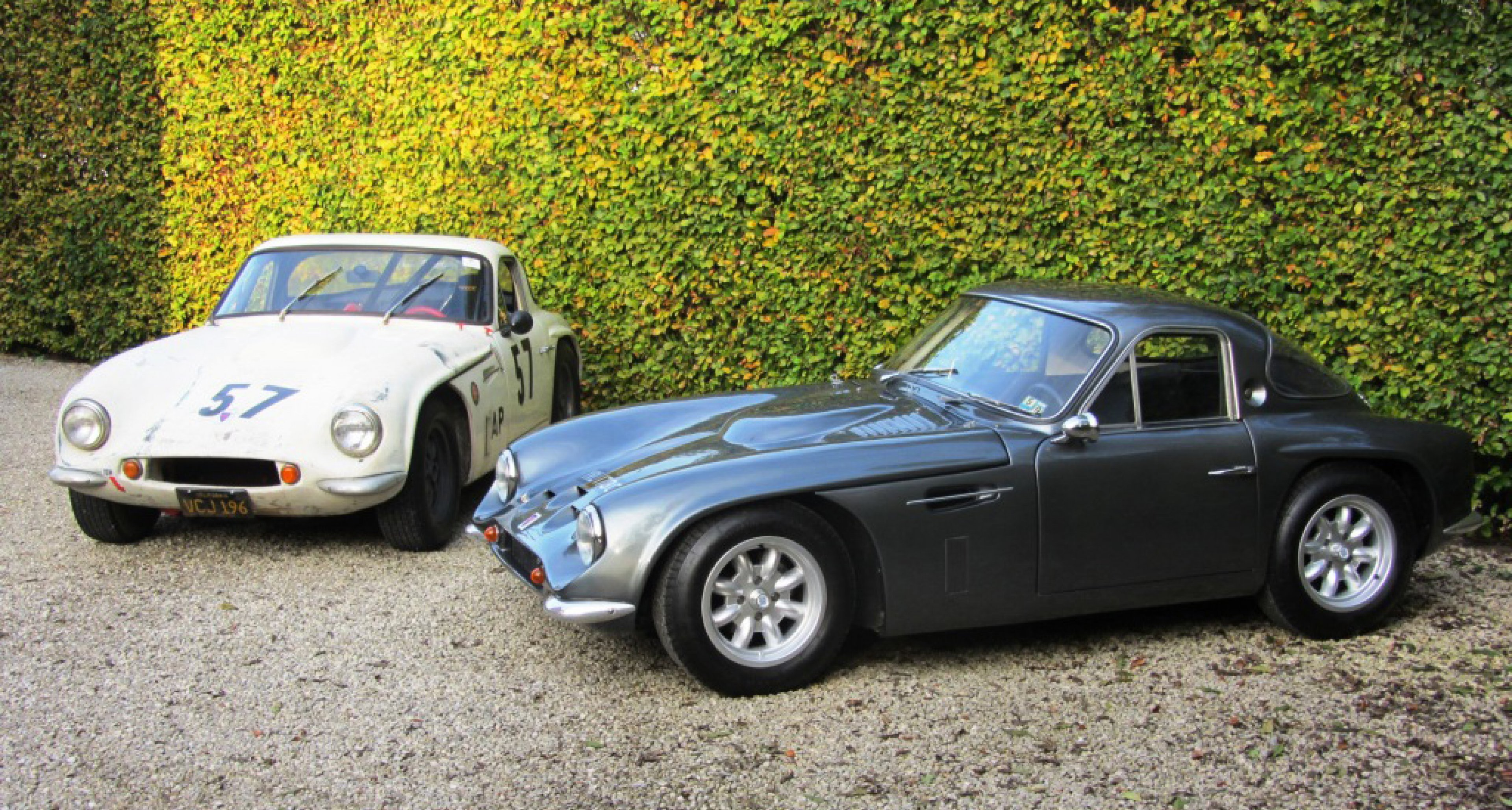 these two tvr griffith 200s could not be more different classic driver magazine. Black Bedroom Furniture Sets. Home Design Ideas