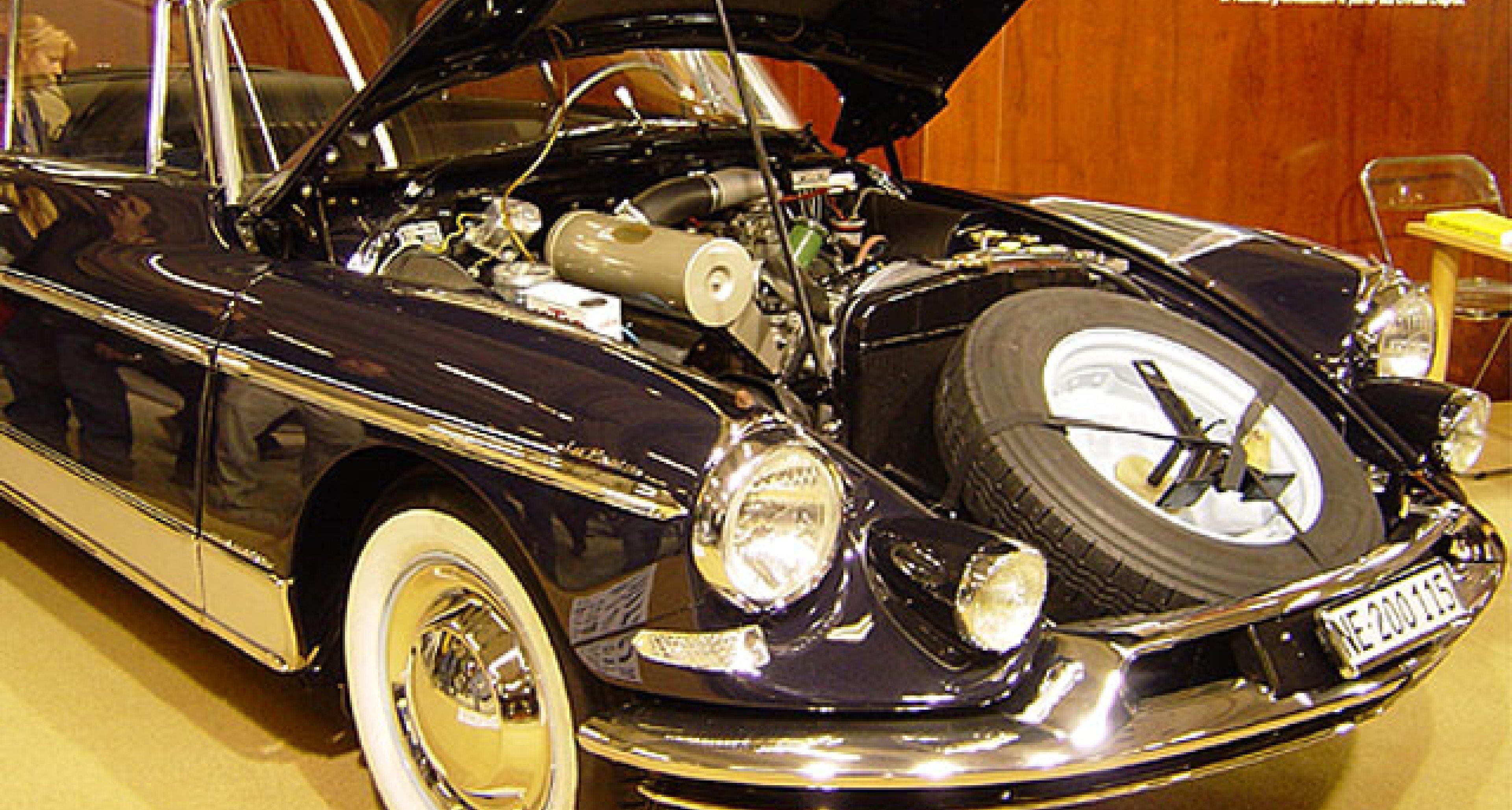 Rétromobile Paris 2003-Bilder einer Ausstellung