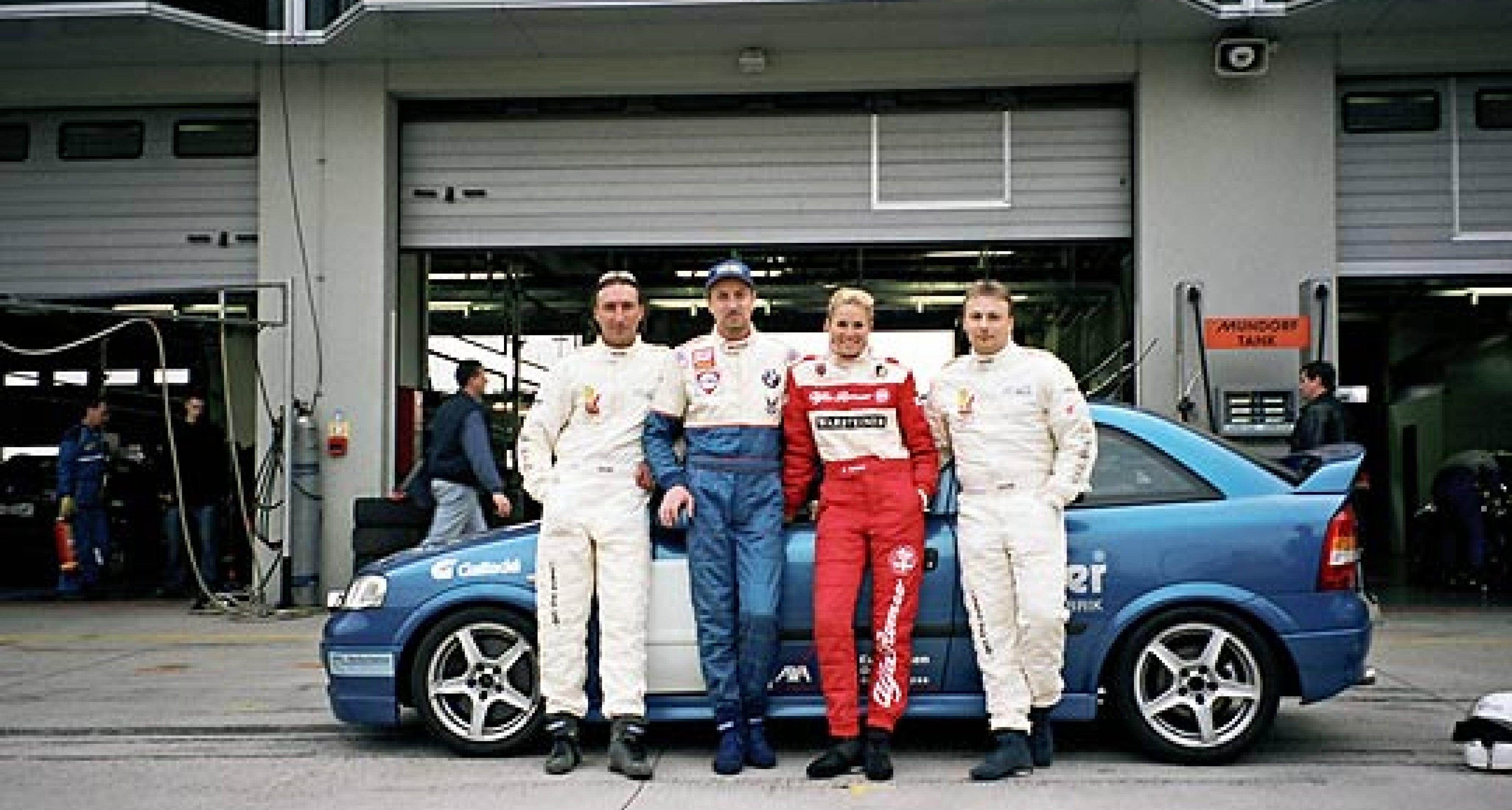Team ZRacing startet beim 24–Stunden–Rennen am Nürburgring