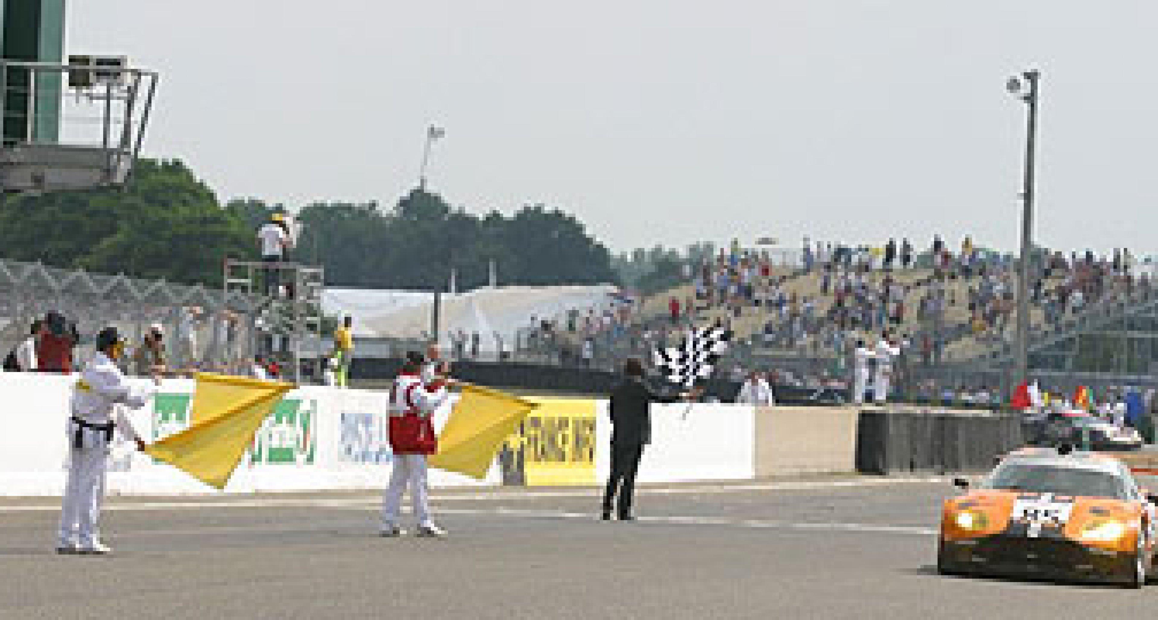 Team Spyker bezwang die legendären 24-Stunden von Le Mans
