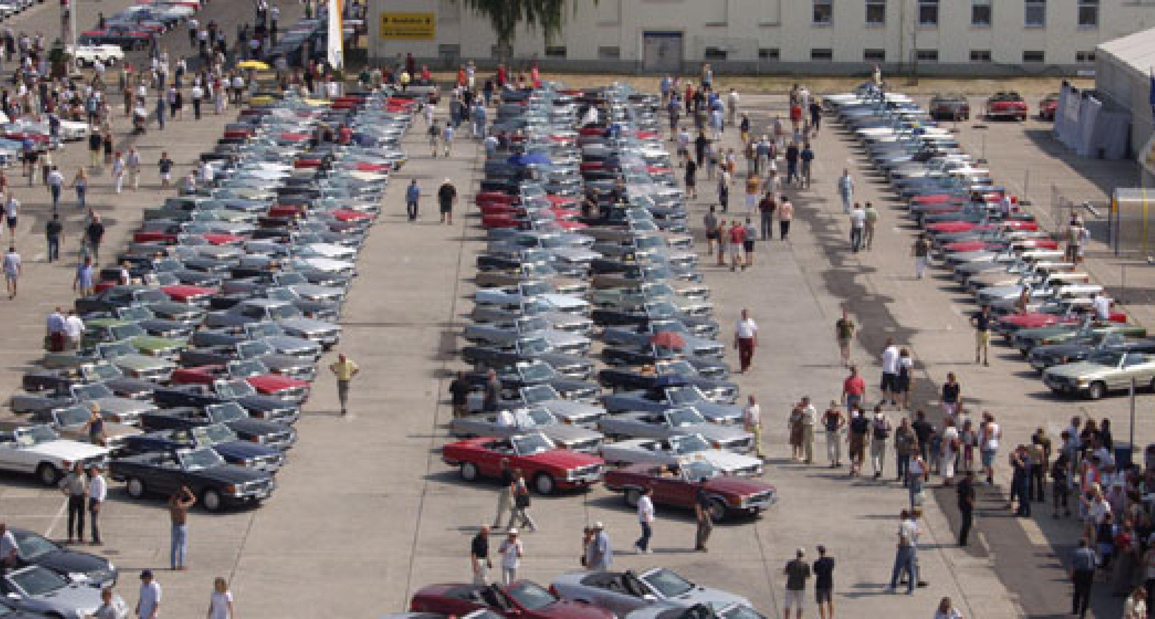 Weltrekorde beim Mercedes-Benz SL-Treffen in Speyer