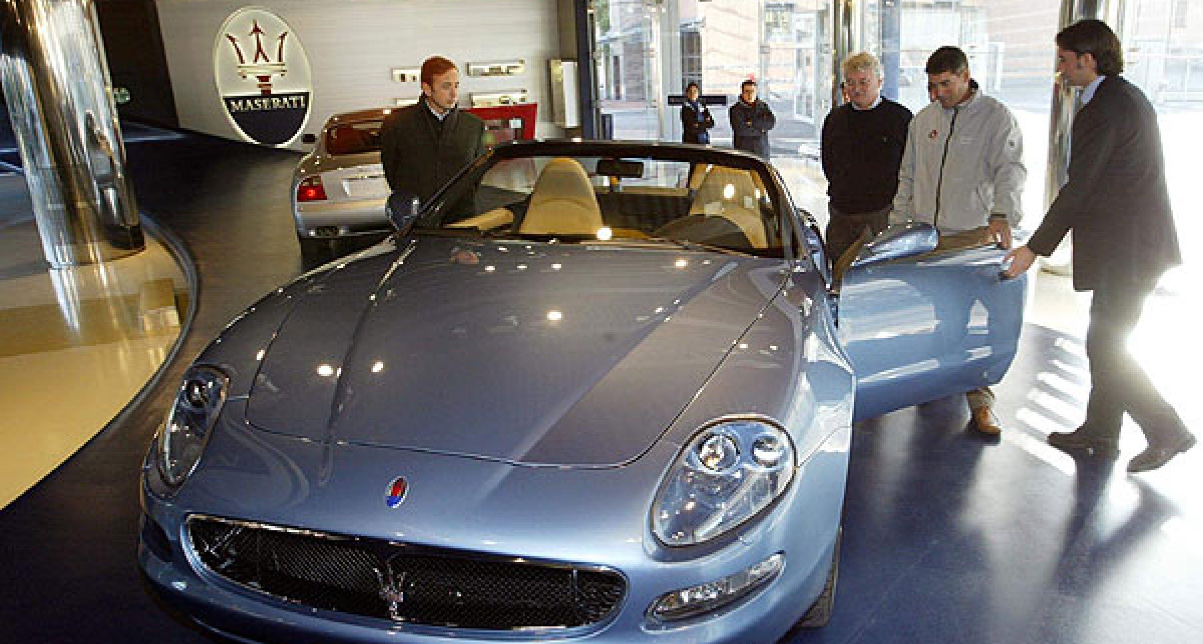 Segel-Champions zu Besuch bei Maserati