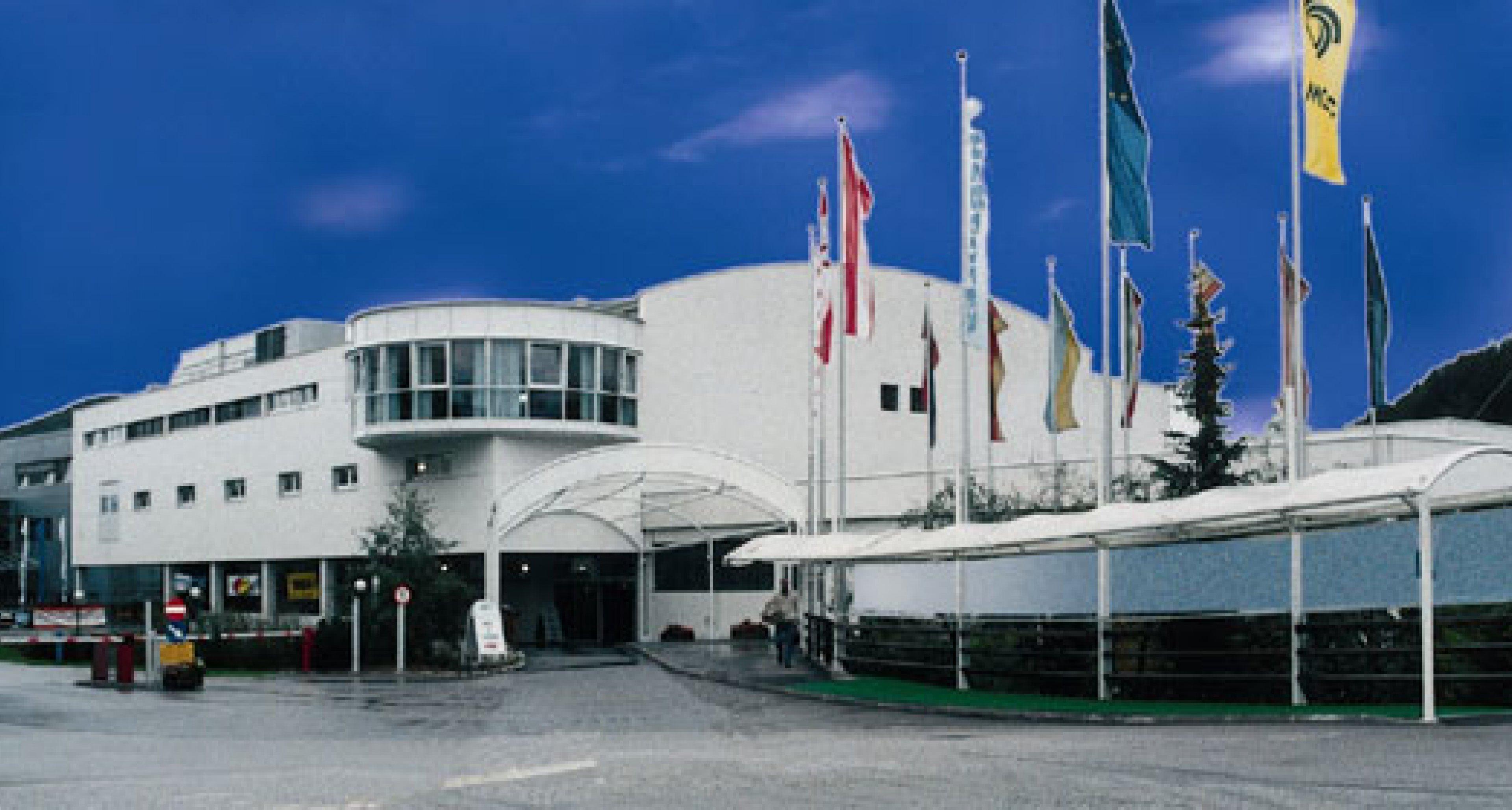 Salon für historische und klassische Fahrzeuge - Publikumsmesse vom 30. Juli bis 1. August 2004 in Salzburg