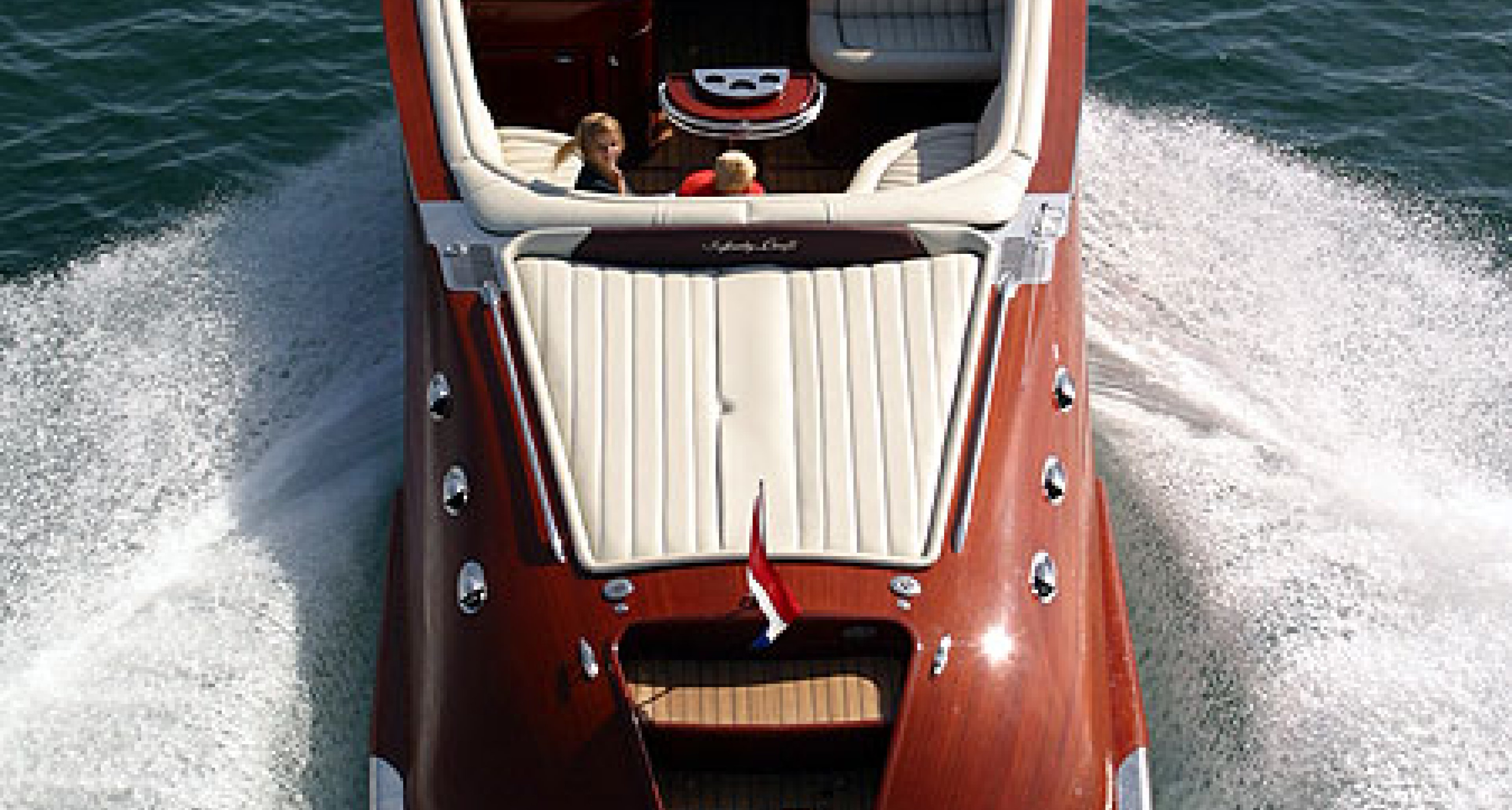 Venegy: Der Bentley unter den Sportbooten
