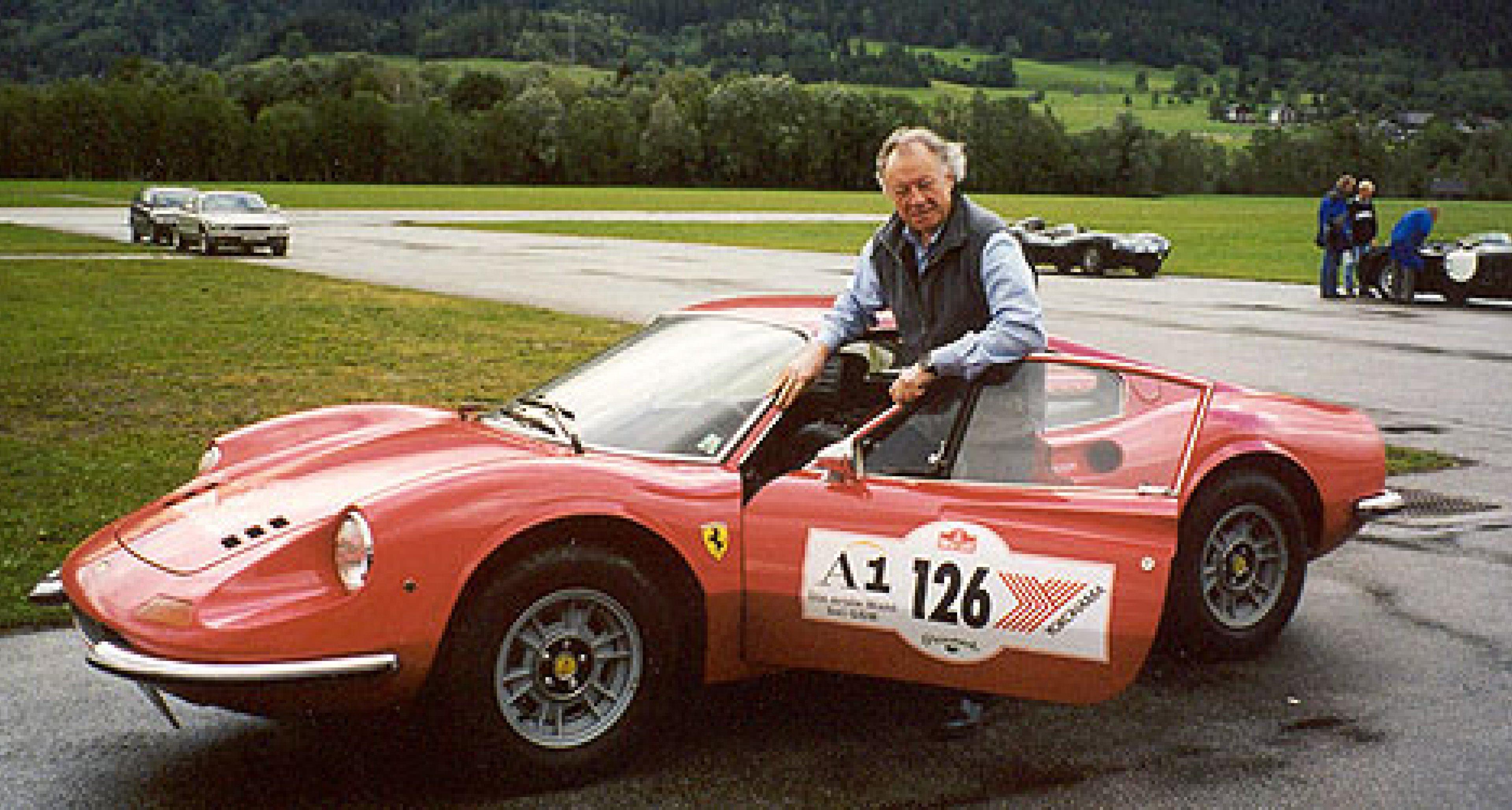 Ferrari Dino 246 GT vs. Porsche 911 S
